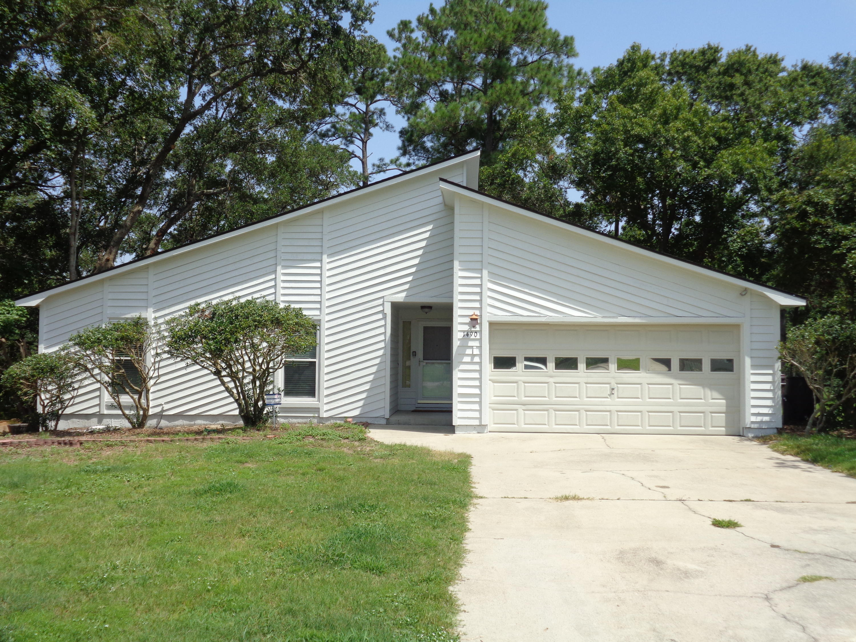 1490 Hidden Bridge Drive Mount Pleasant, SC 29464