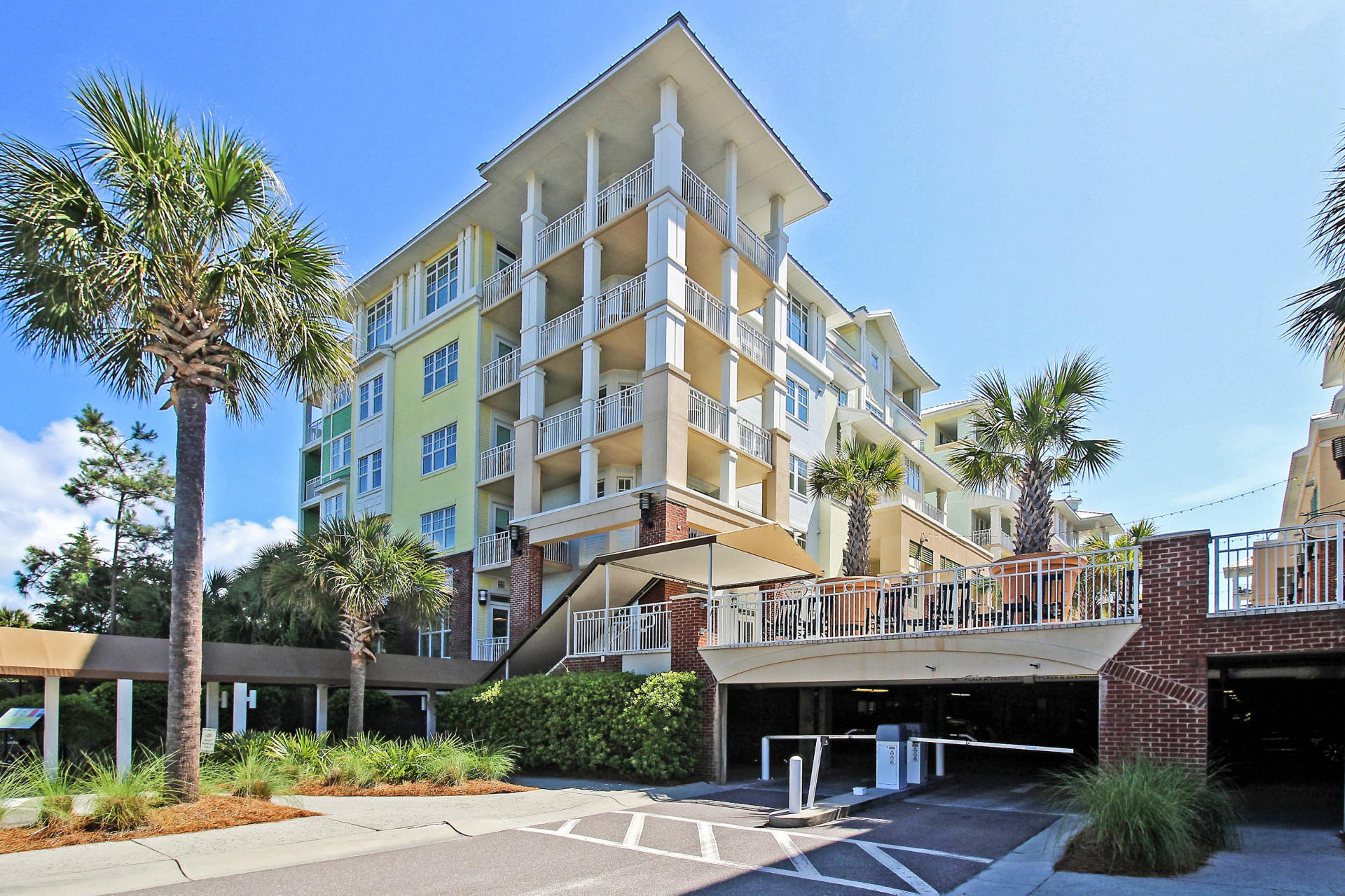 204 Village UNIT A204 Isle Of Palms, SC 29451