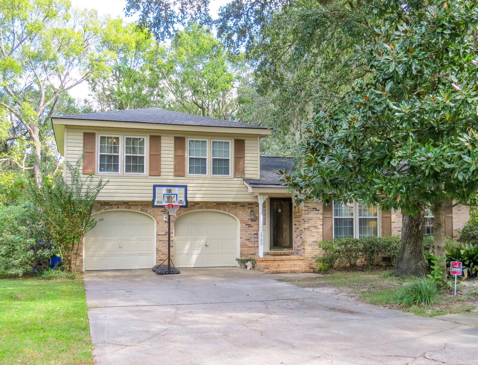 1703 Sulgrave Road Charleston, SC 29414