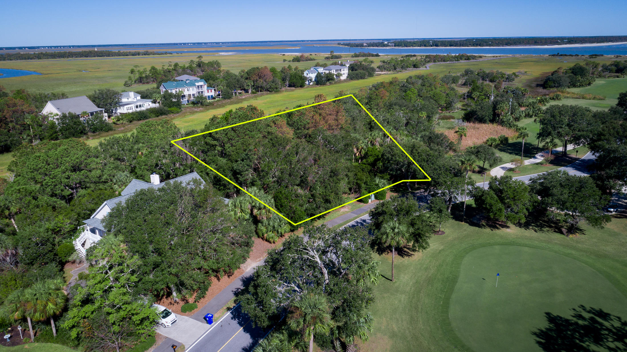 6823 Back Bay Drive Isle Of Palms, SC 29451