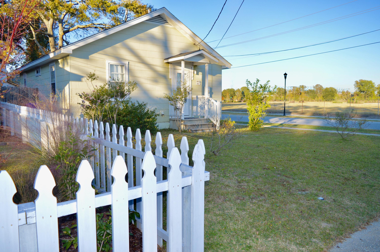 4951 Chateau Avenue North Charleston, SC 29405
