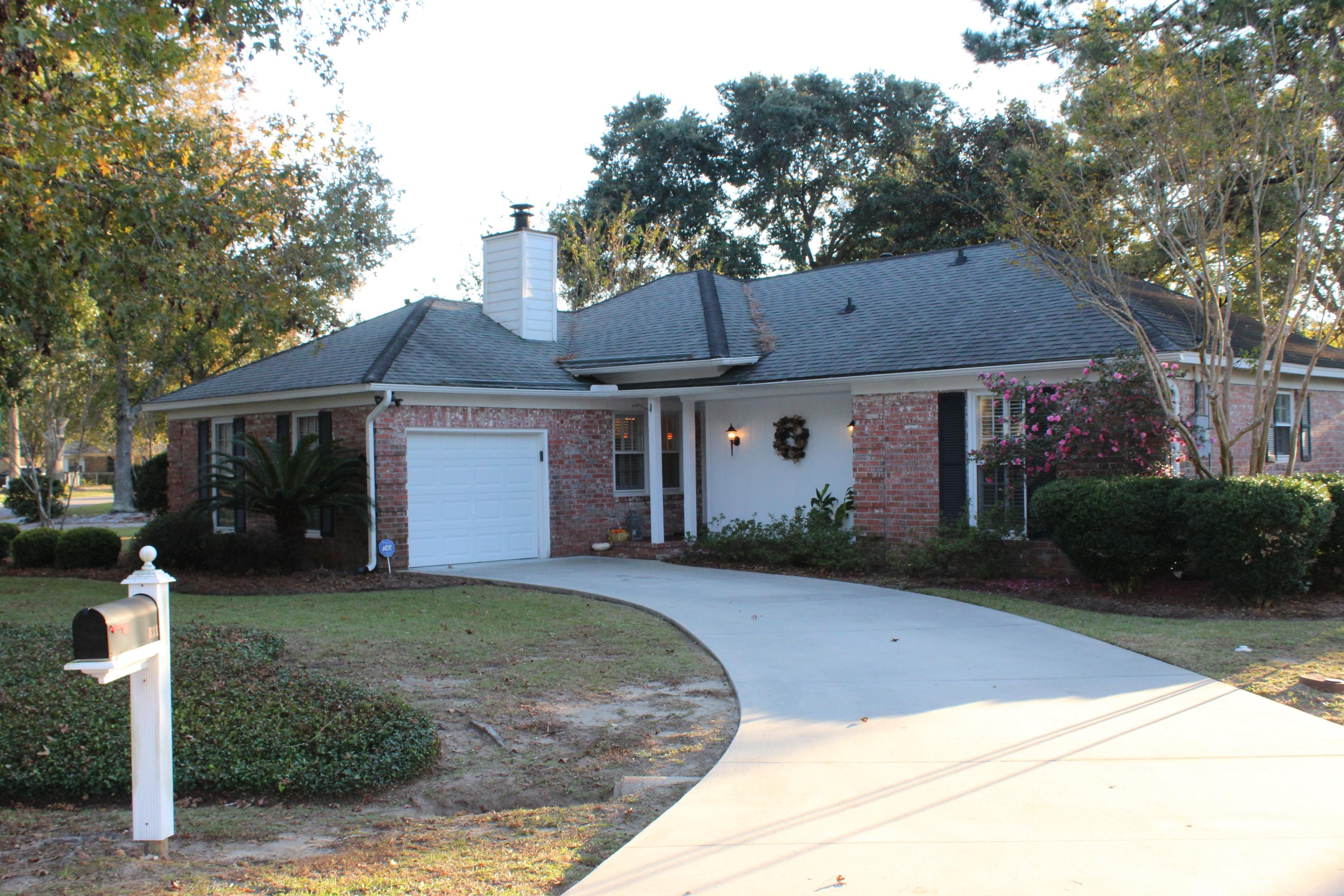 831 Farnham Road Charleston, SC 29412