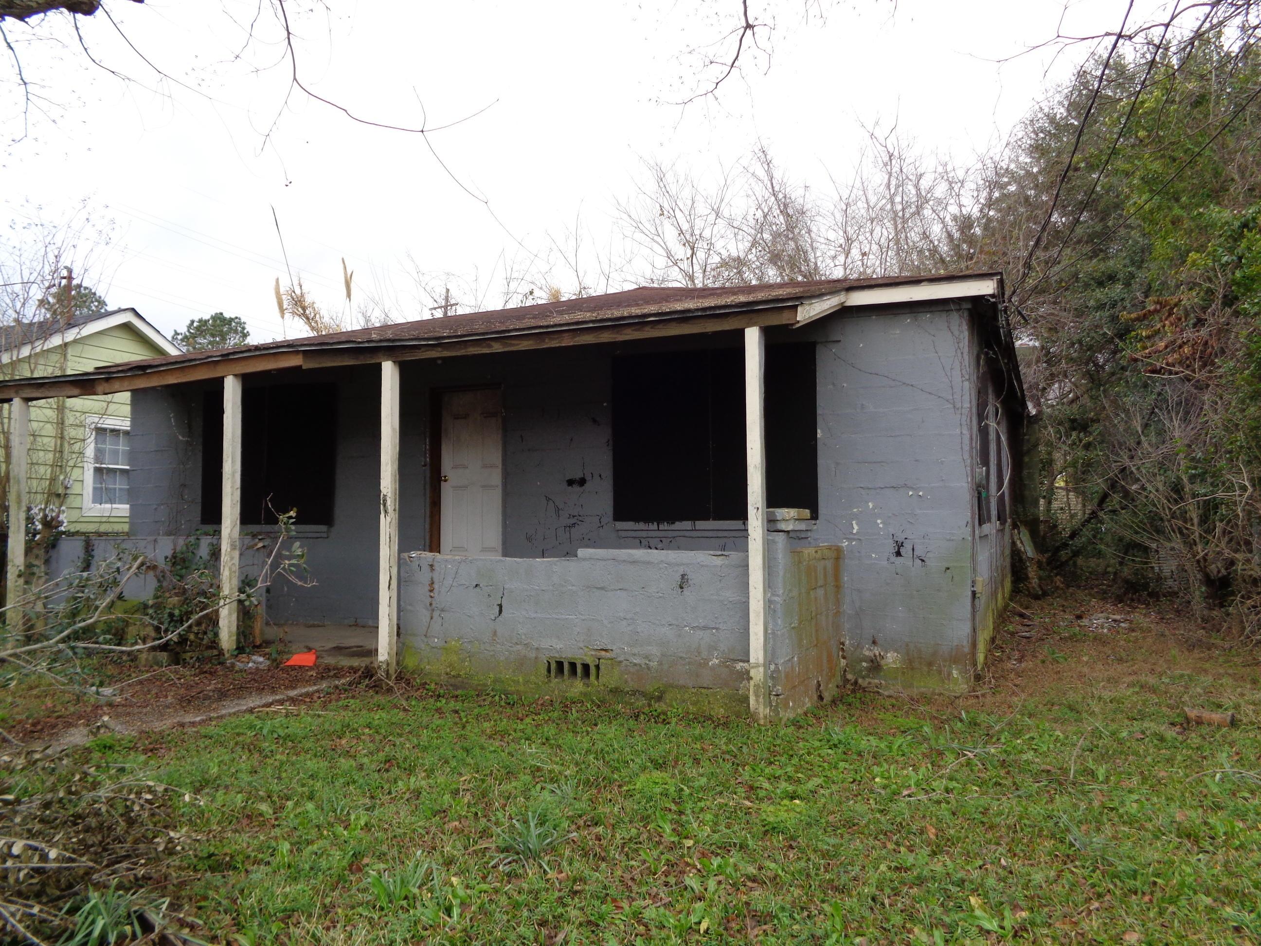 1849 Doscher Avenue Charleston, SC 29405