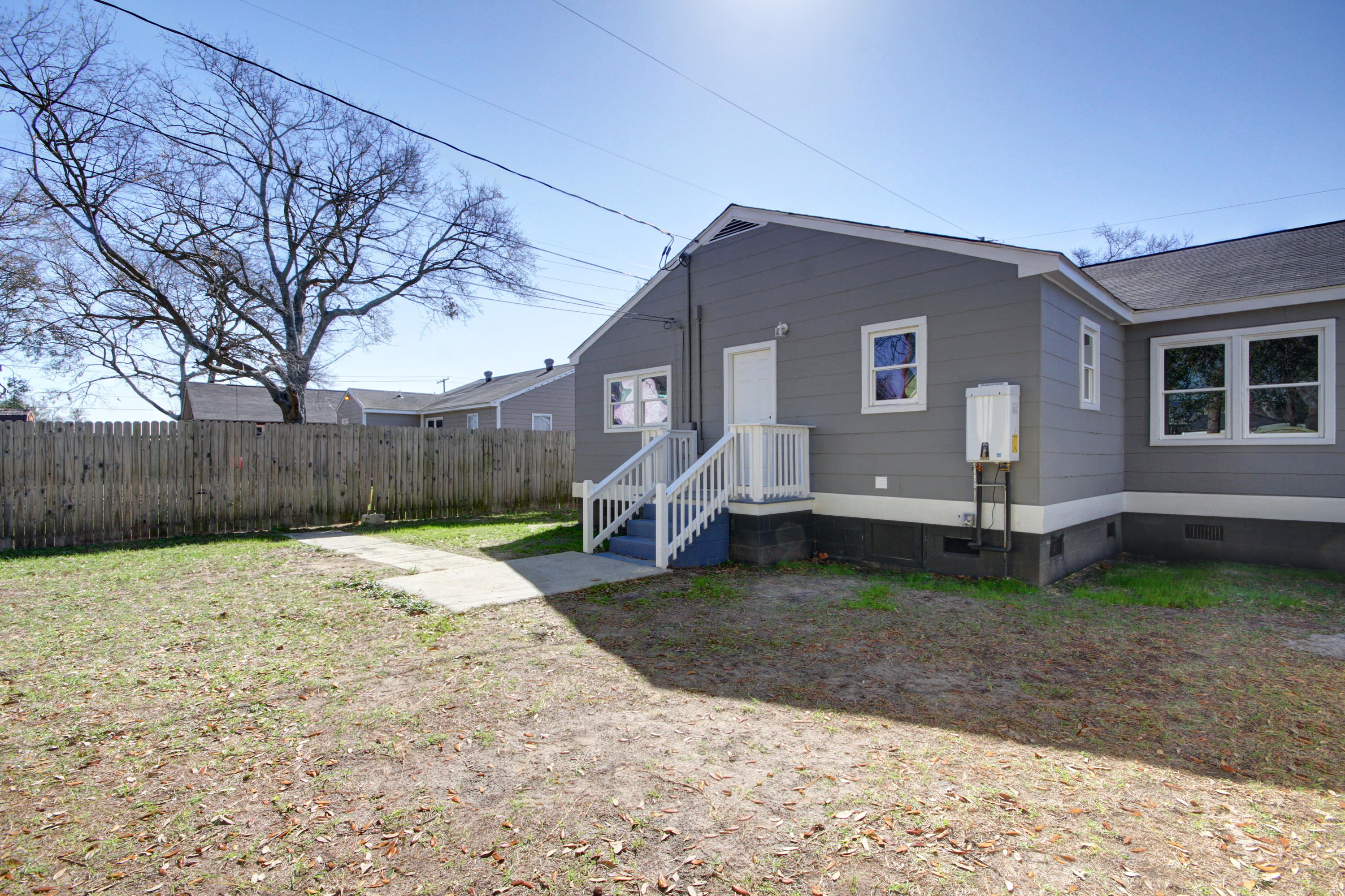 1079 Lockhart Street North Charleston, SC 29405