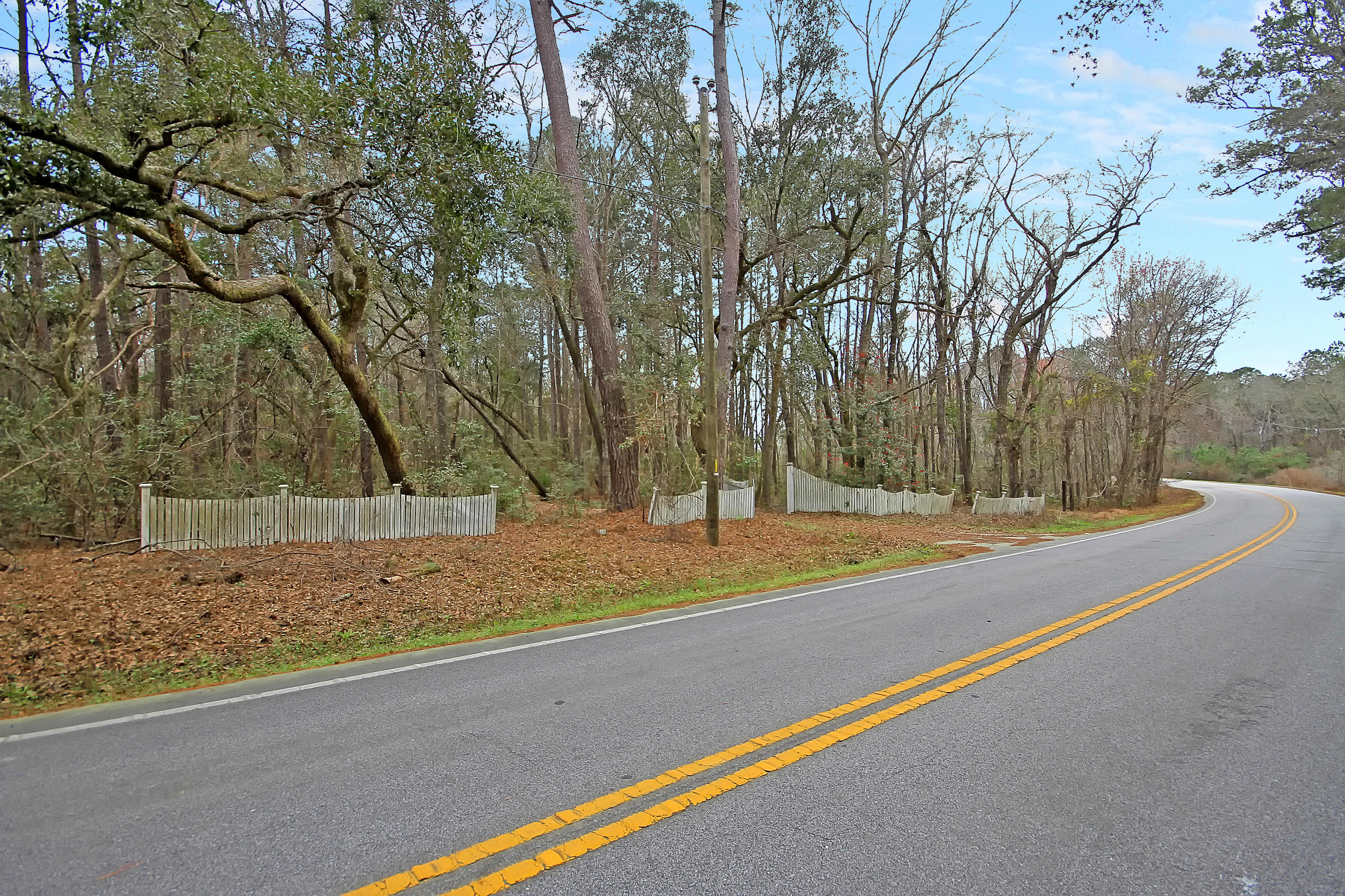 5558 Chisolm Road Johns Island, SC 29455