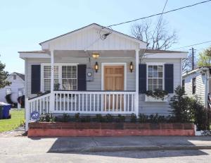 9 F Street, Charleston, SC 29403