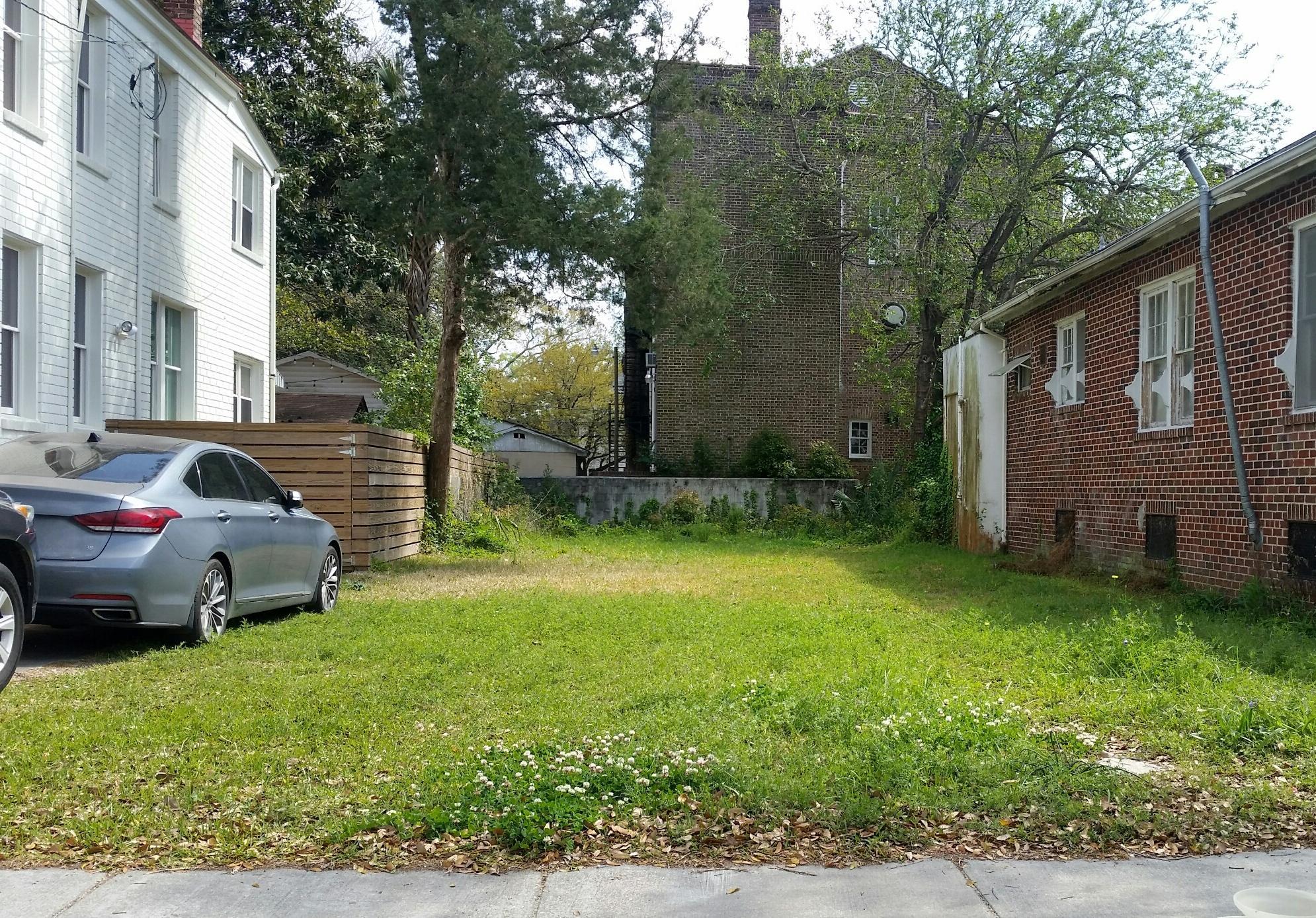 31 Cleveland Street Charleston, SC 29403