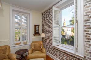 1 Chalmers Street, Charleston, SC 29401