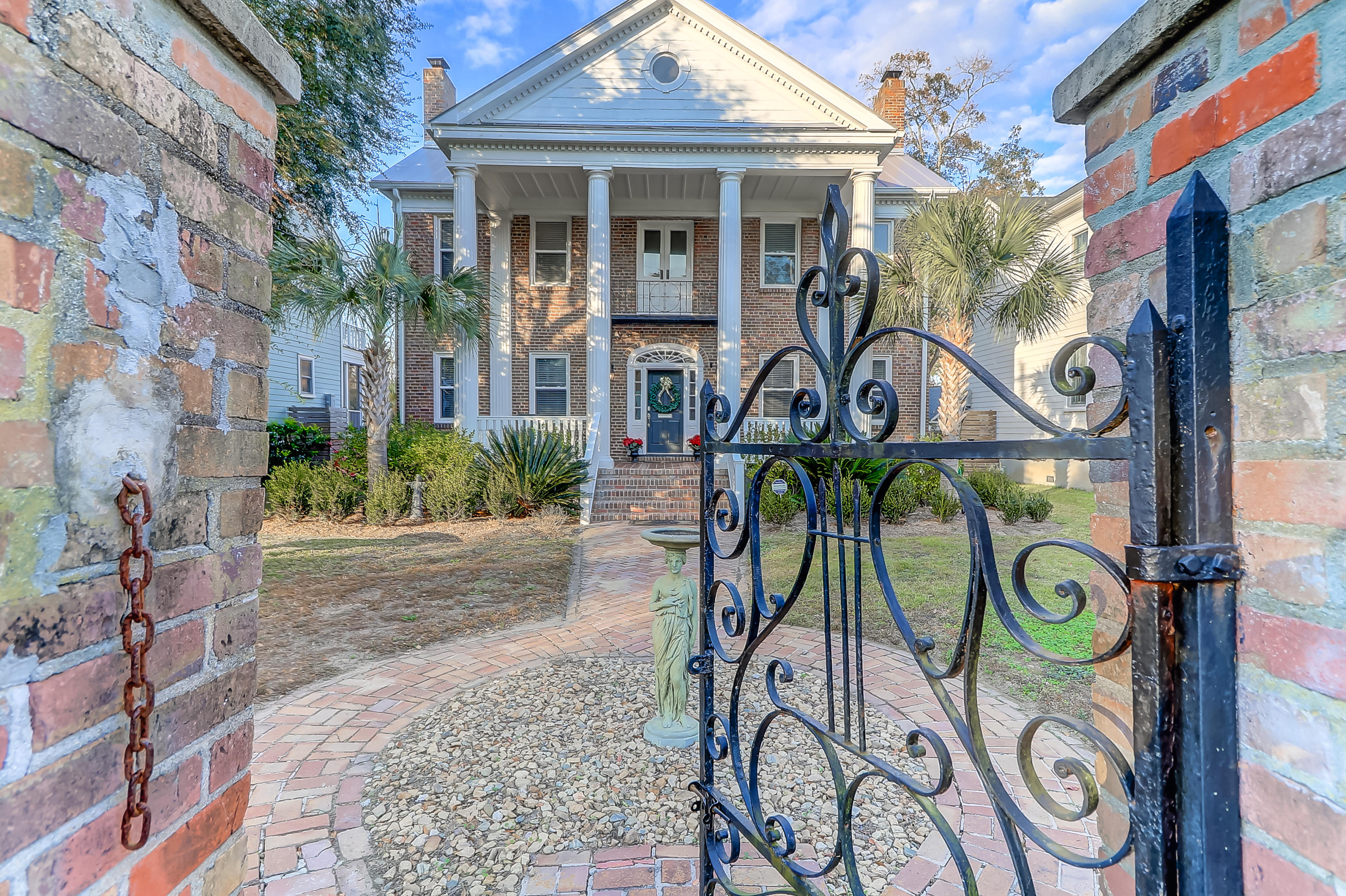 164 Maple Street Charleston, SC 29403