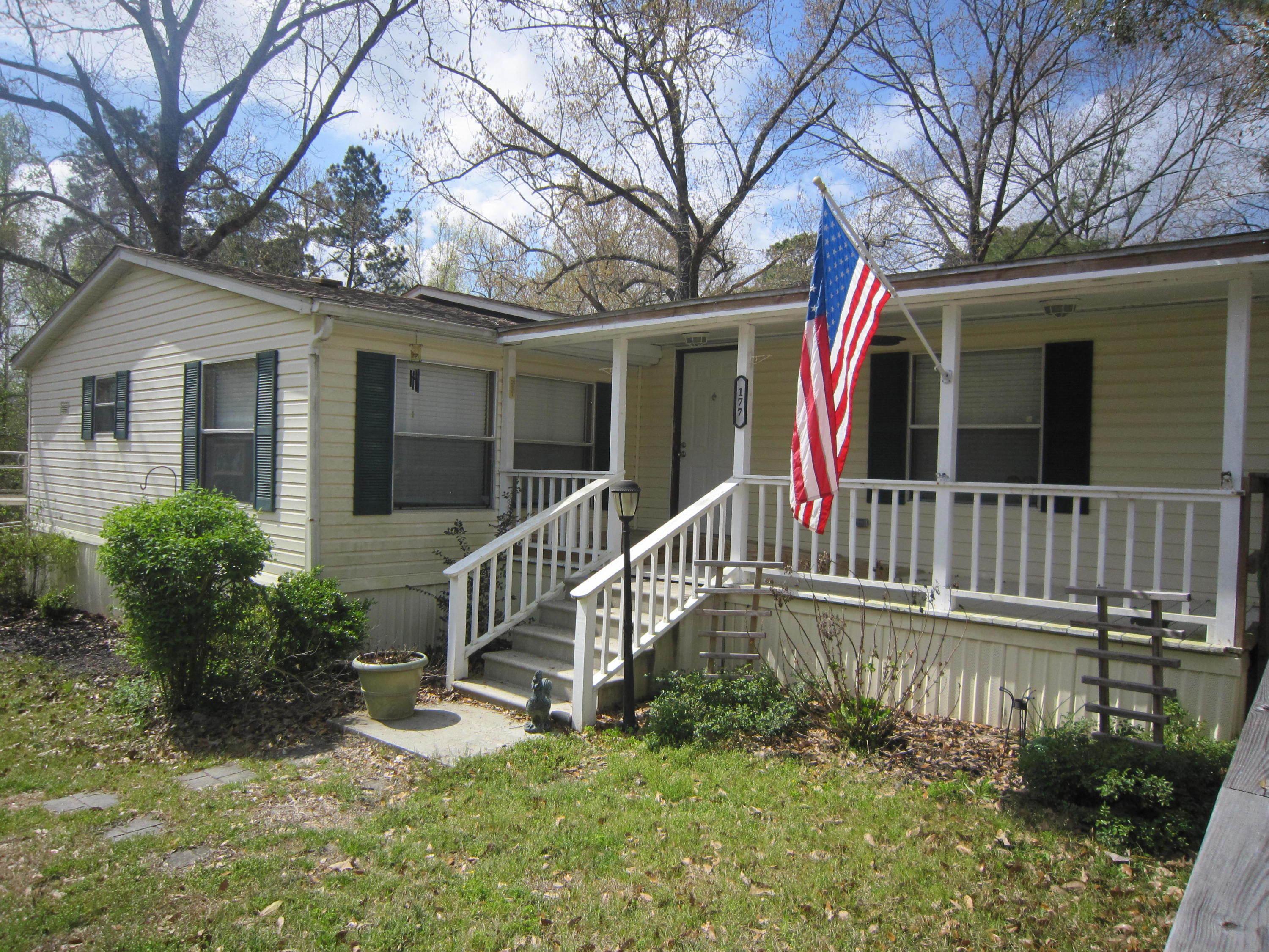 177 Walnut Heights Road Dorchester, SC 29437