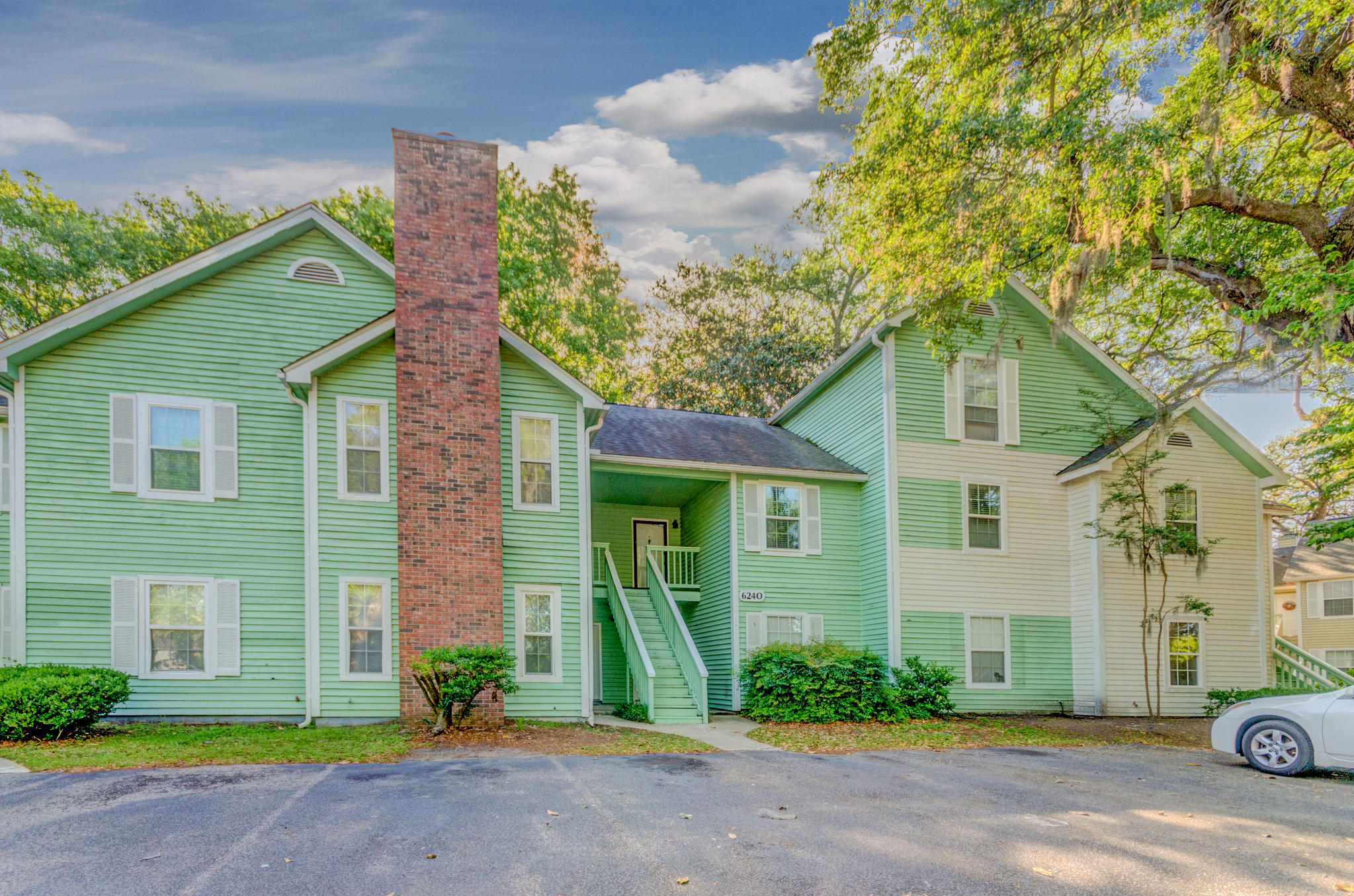 6240 April Pine Circle UNIT 902-B North Charleston, Sc 29406
