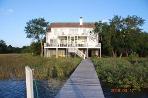 817 Harbour Watch Court Mount Pleasant, SC 29464
