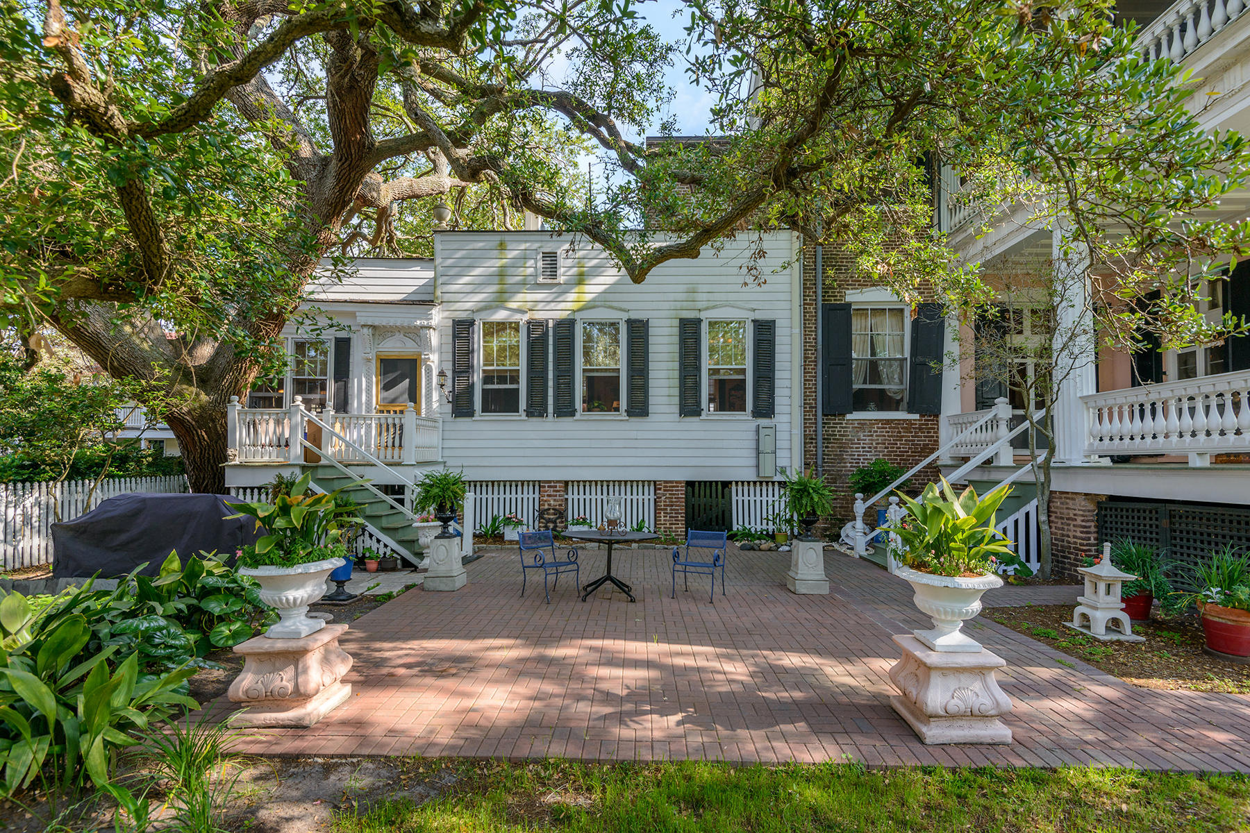 9 Limehouse Street Charleston, SC 29401