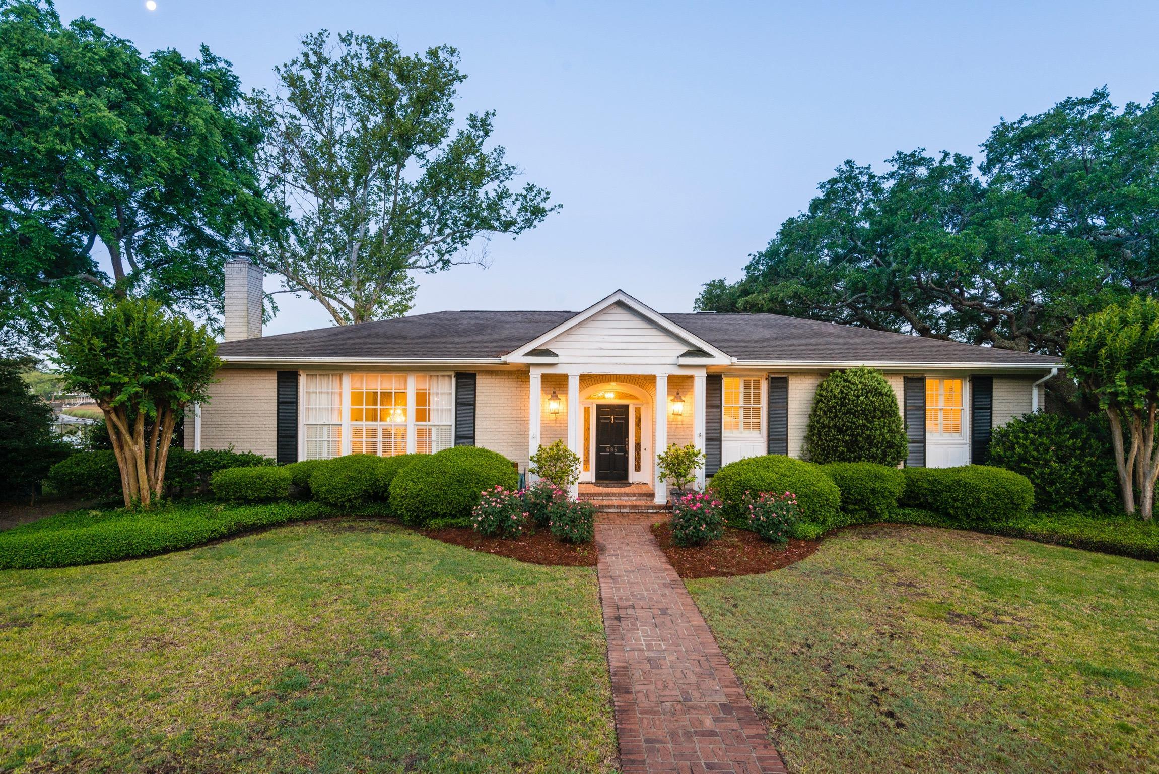 Lawton Bluff Homes For Sale - 685 Shore, Charleston, SC - 10