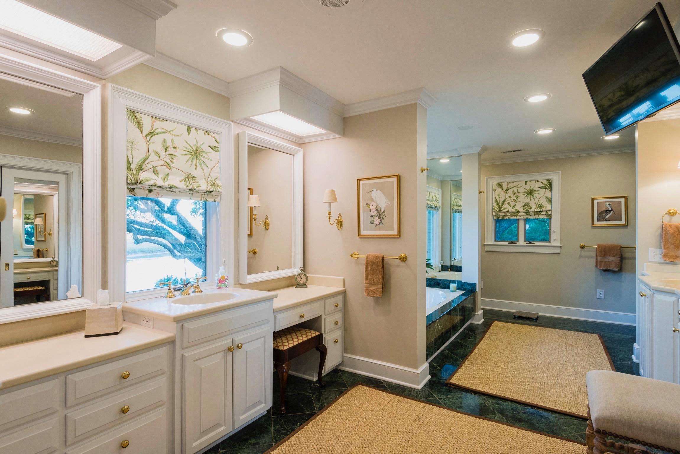 Lawton Bluff Homes For Sale - 685 Shore, Charleston, SC - 18