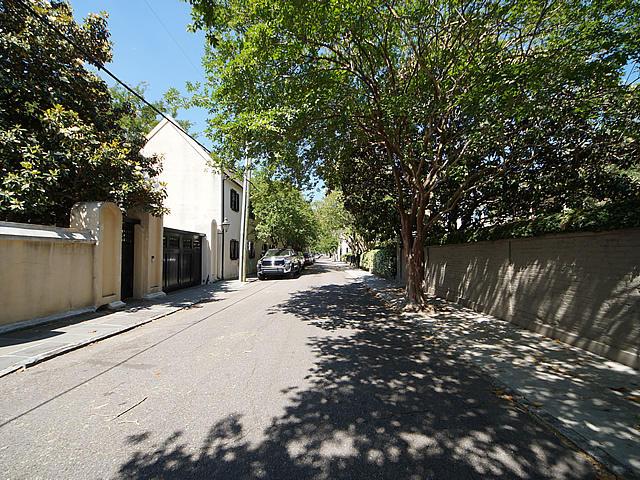 109 Tradd Street Charleston, SC 29401