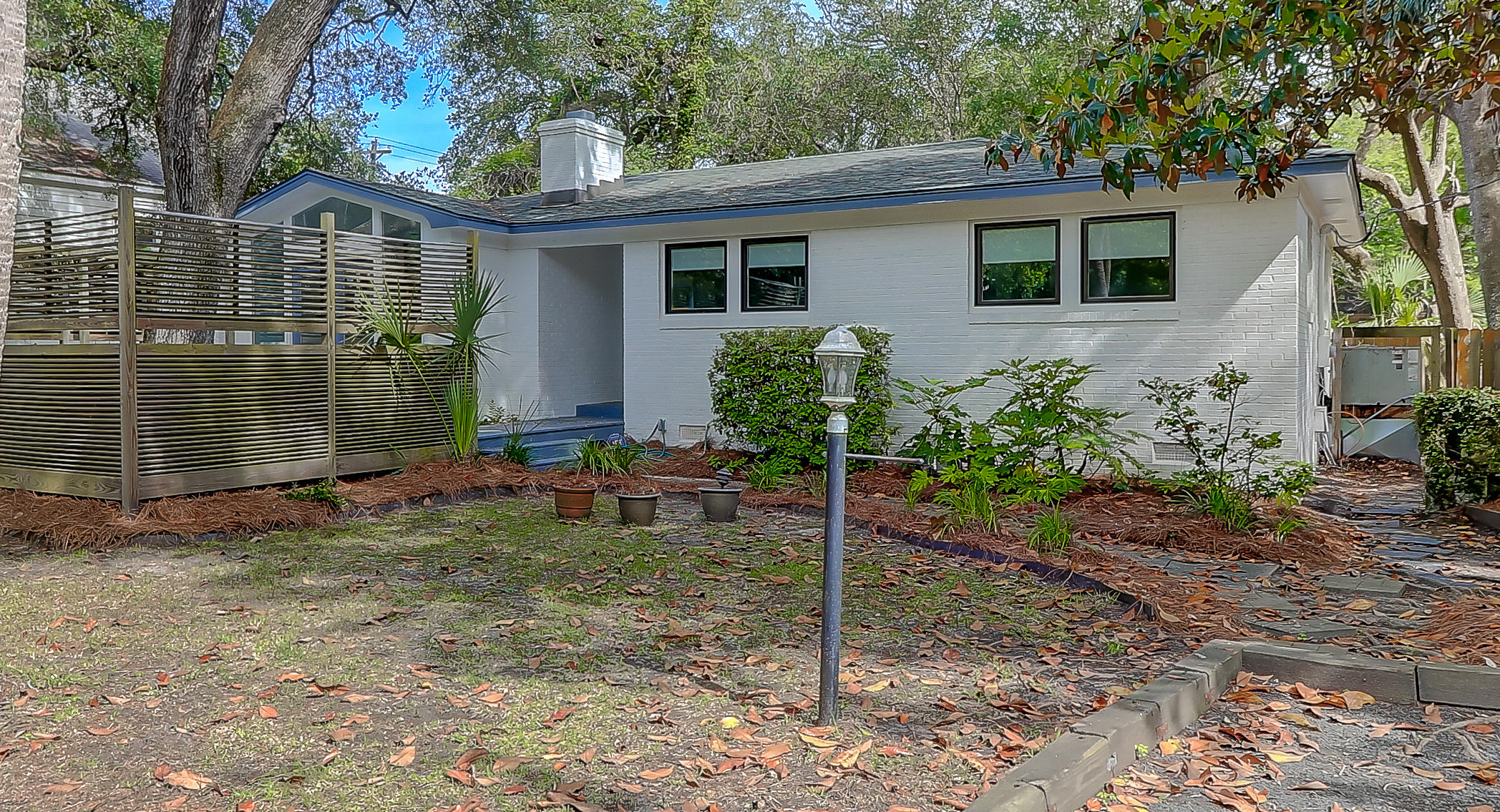 203 W Hudson Avenue Folly Beach, SC 29439