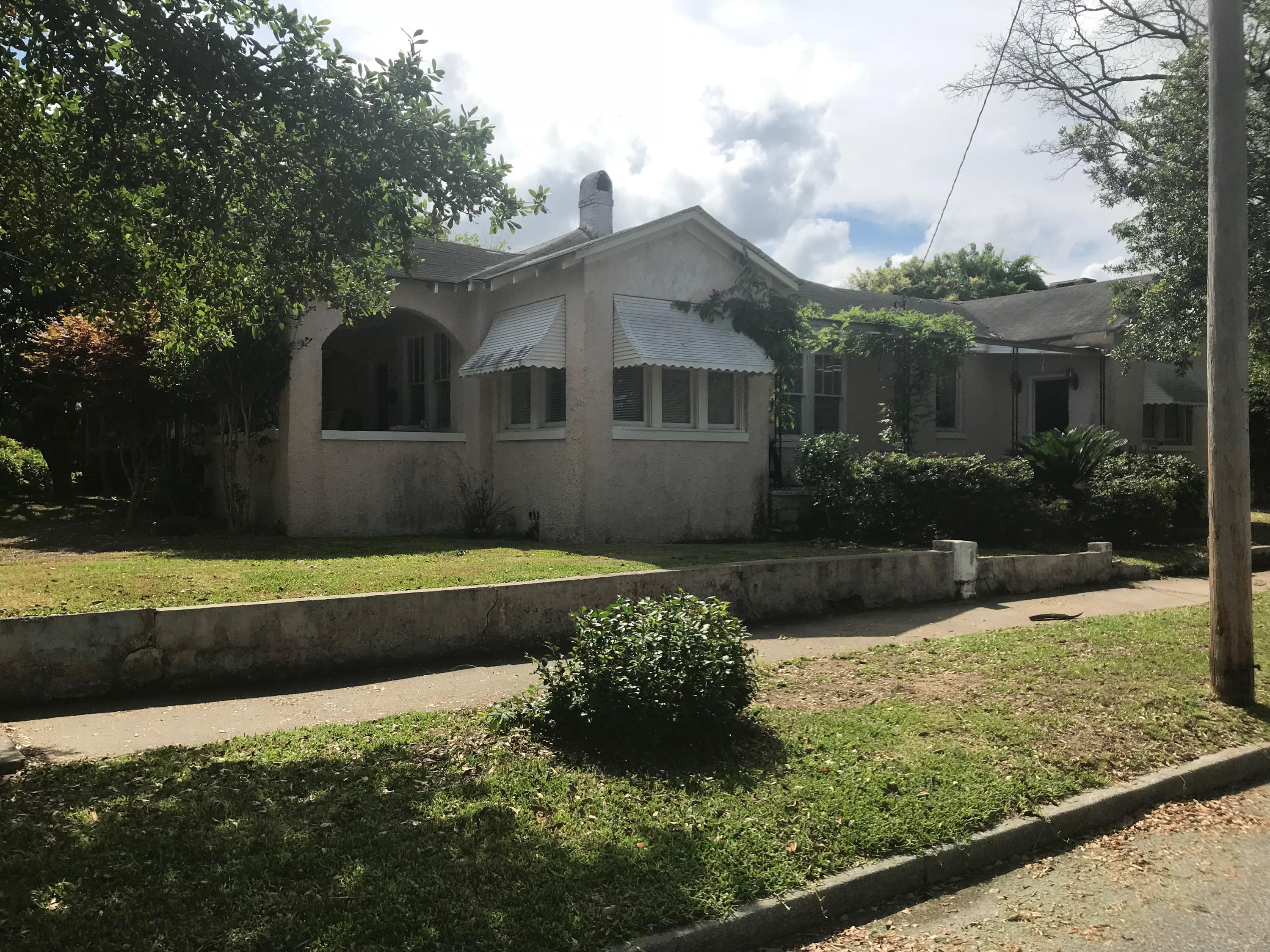 56 Dunnemann Avenue Charleston, SC 29403