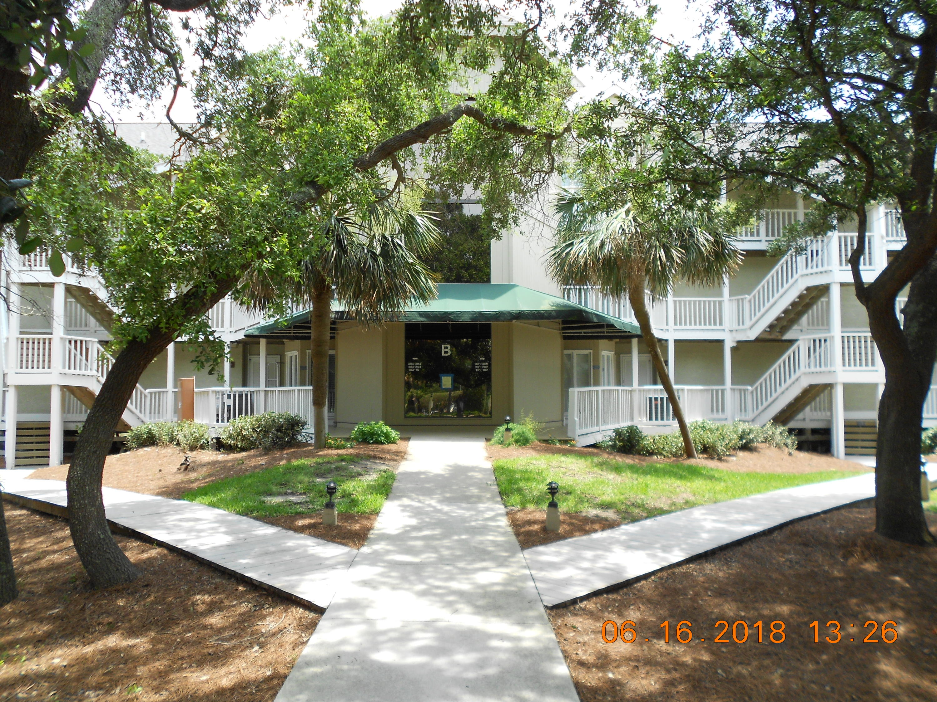204 B Port O Call 1/8TH Isle Of Palms, SC 29451