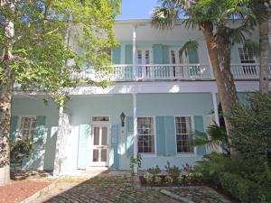 2 Tradd Street, Charleston, SC 29401