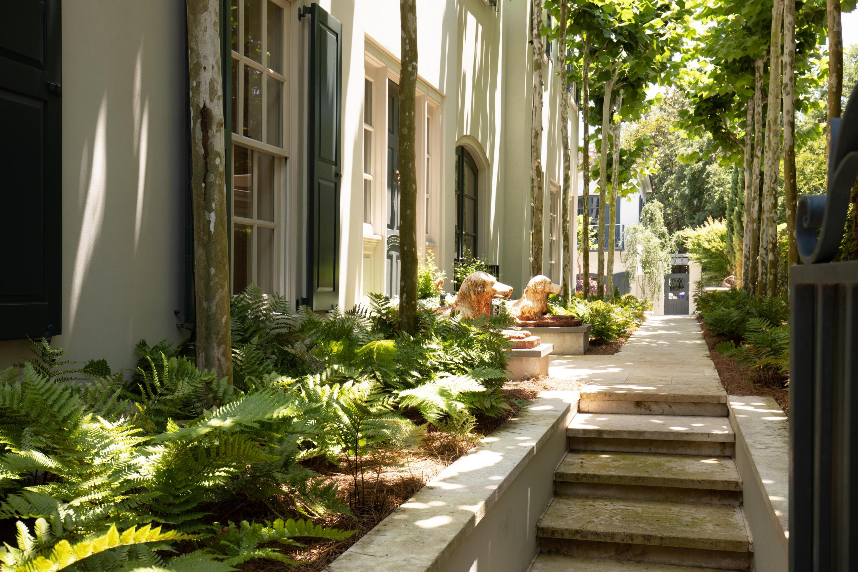 9 Tradd Street Charleston, SC 29401