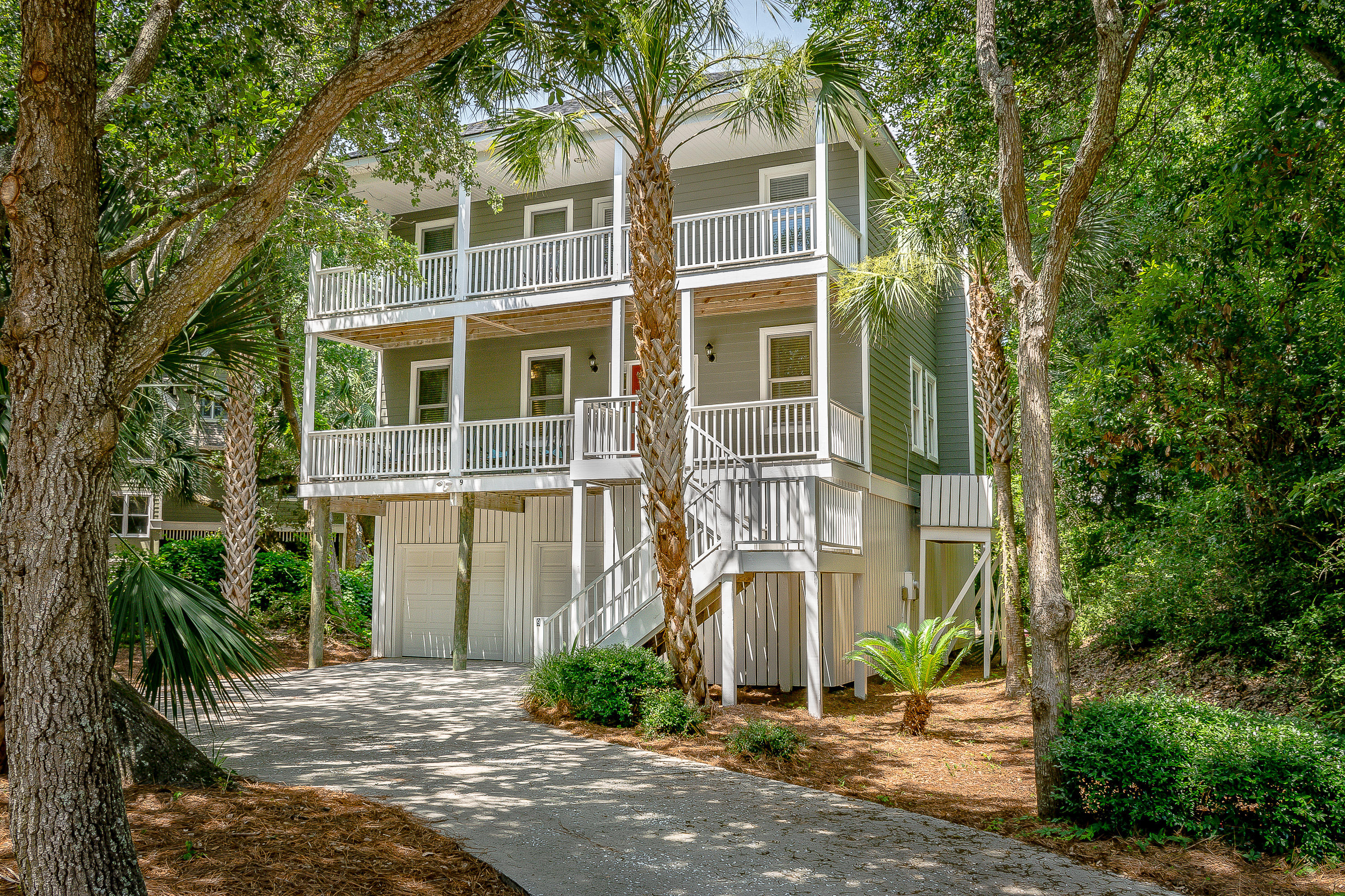 9 Fairway Oaks Lane Isle Of Palms, SC 29451
