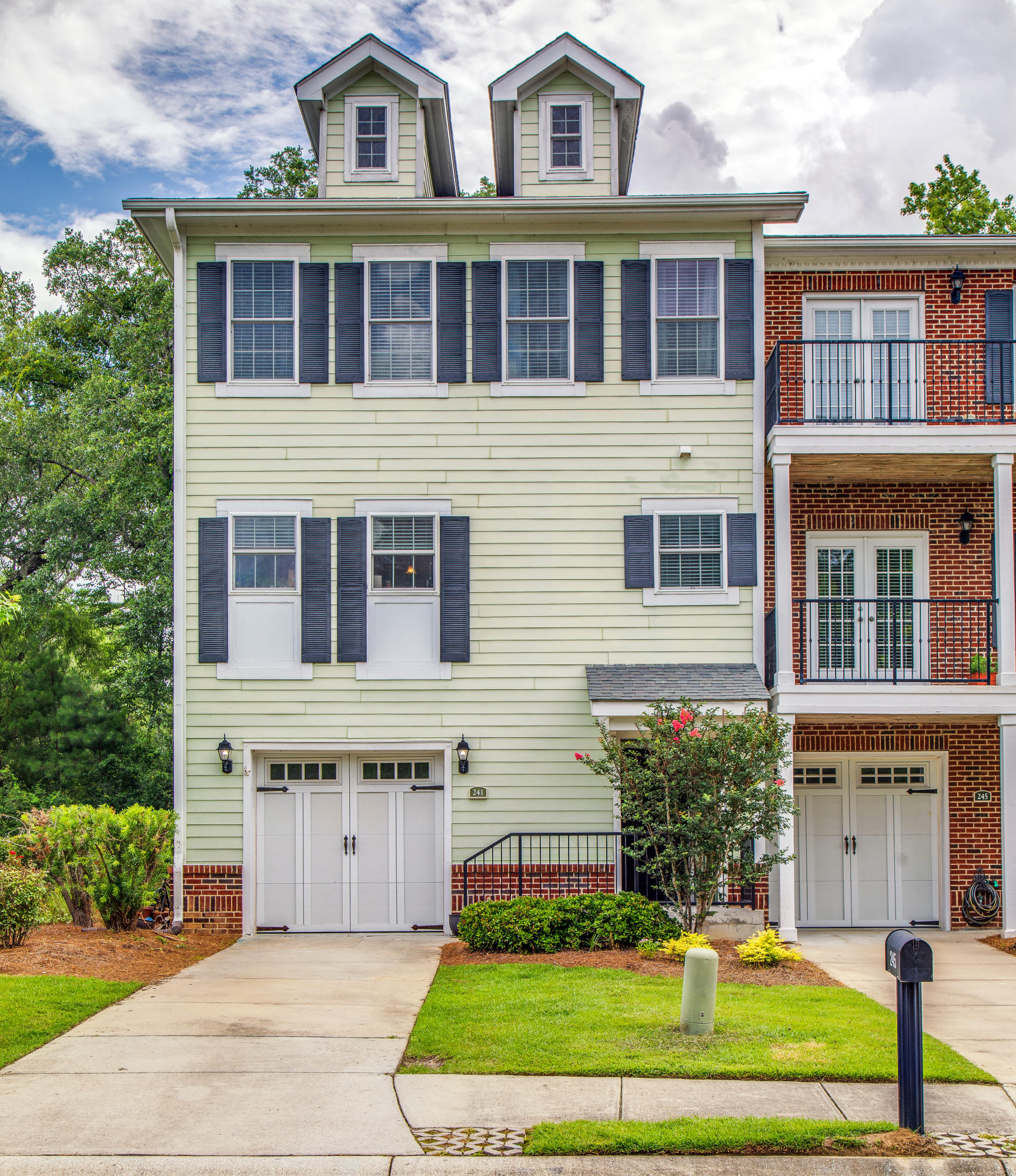 241 Etiwan Pointe Drive Mount Pleasant, SC 29464