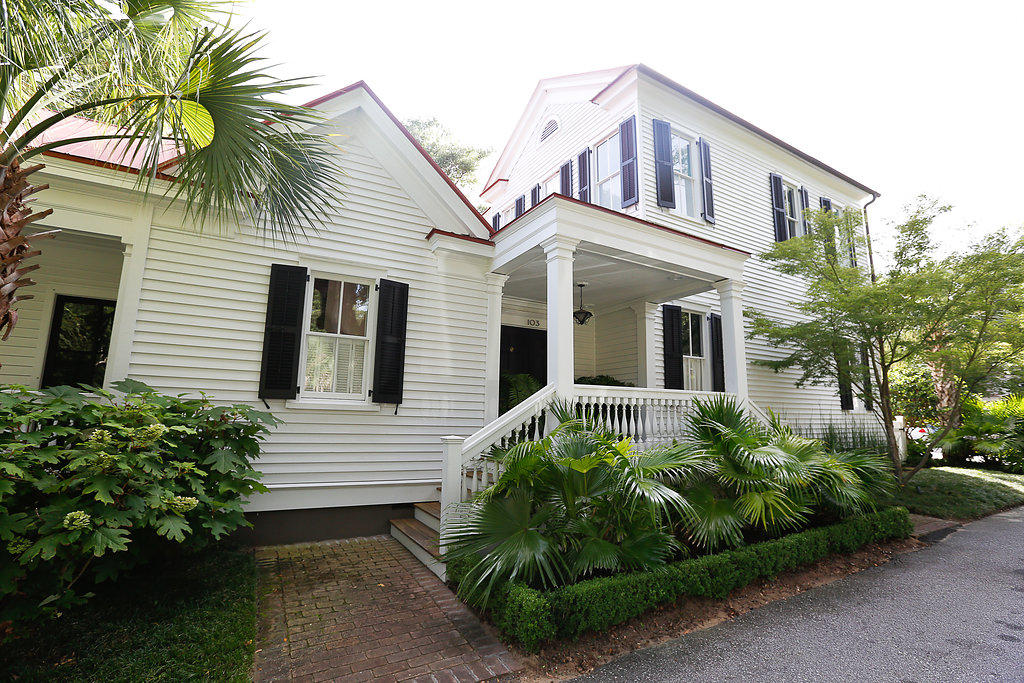 Old Village Homes For Sale - 103 Carr, Mount Pleasant, SC - 18
