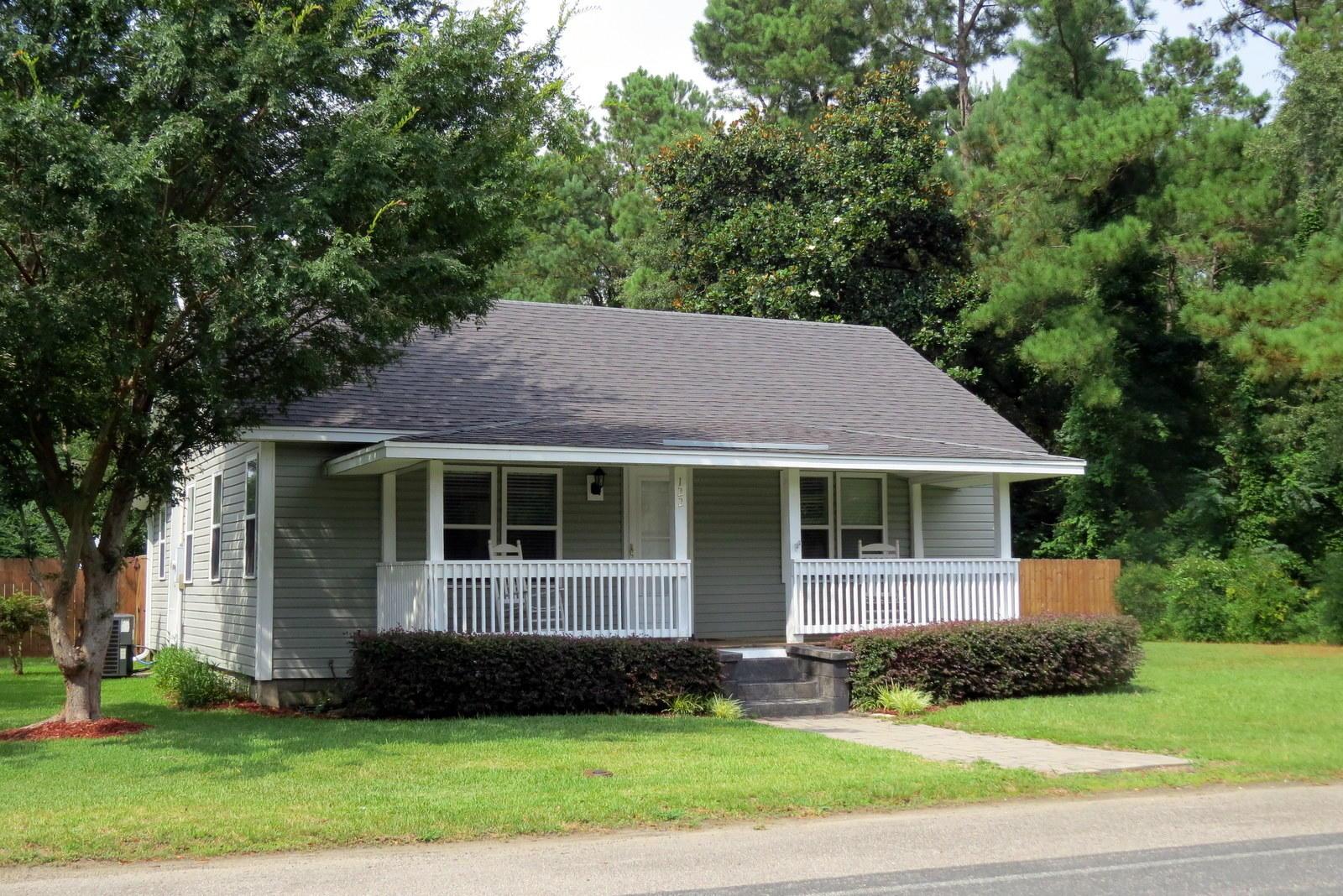 122 E Church Street Bonneau SC 29431, MLS# 18020385