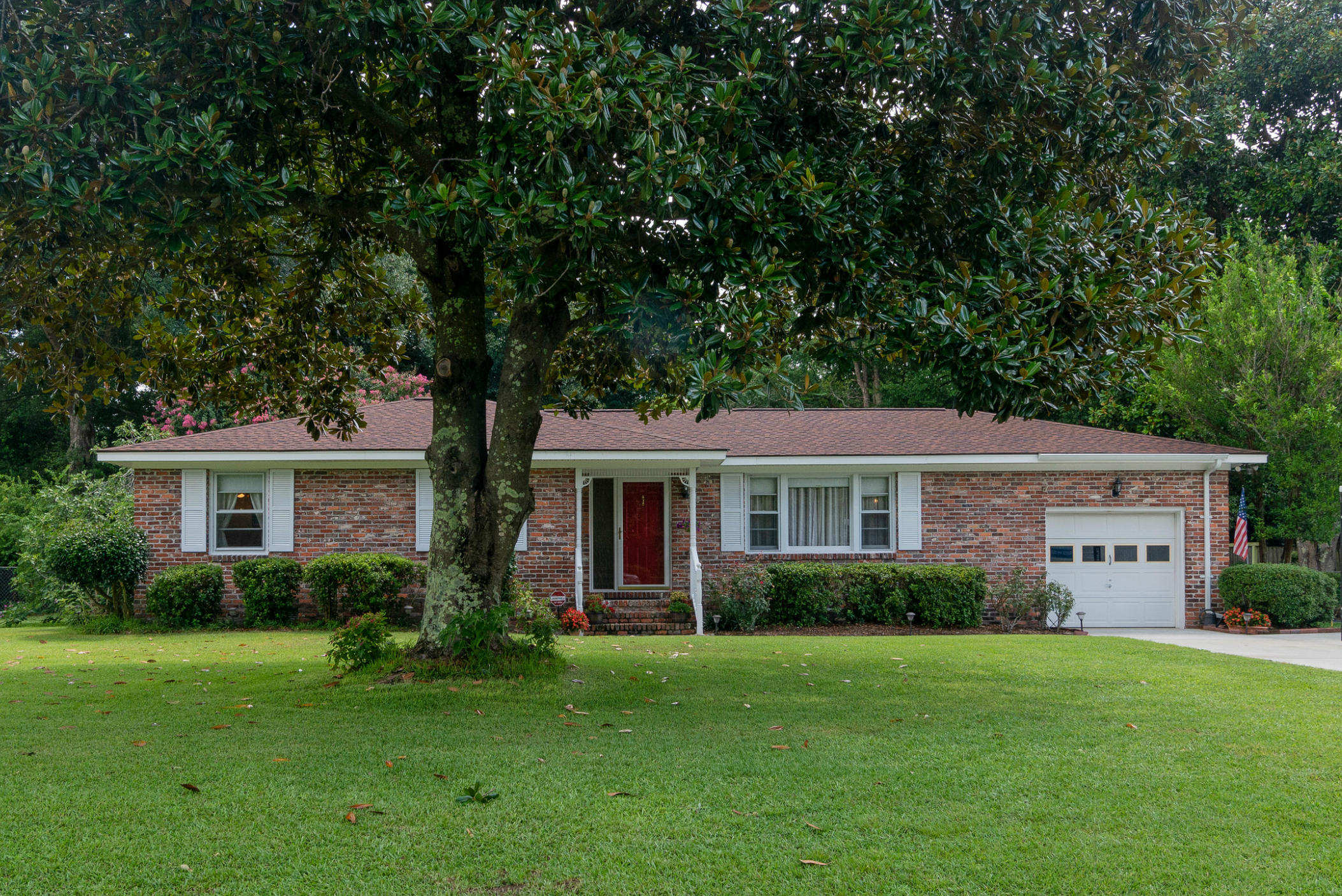 978 Mikell Drive Charleston, SC 29412