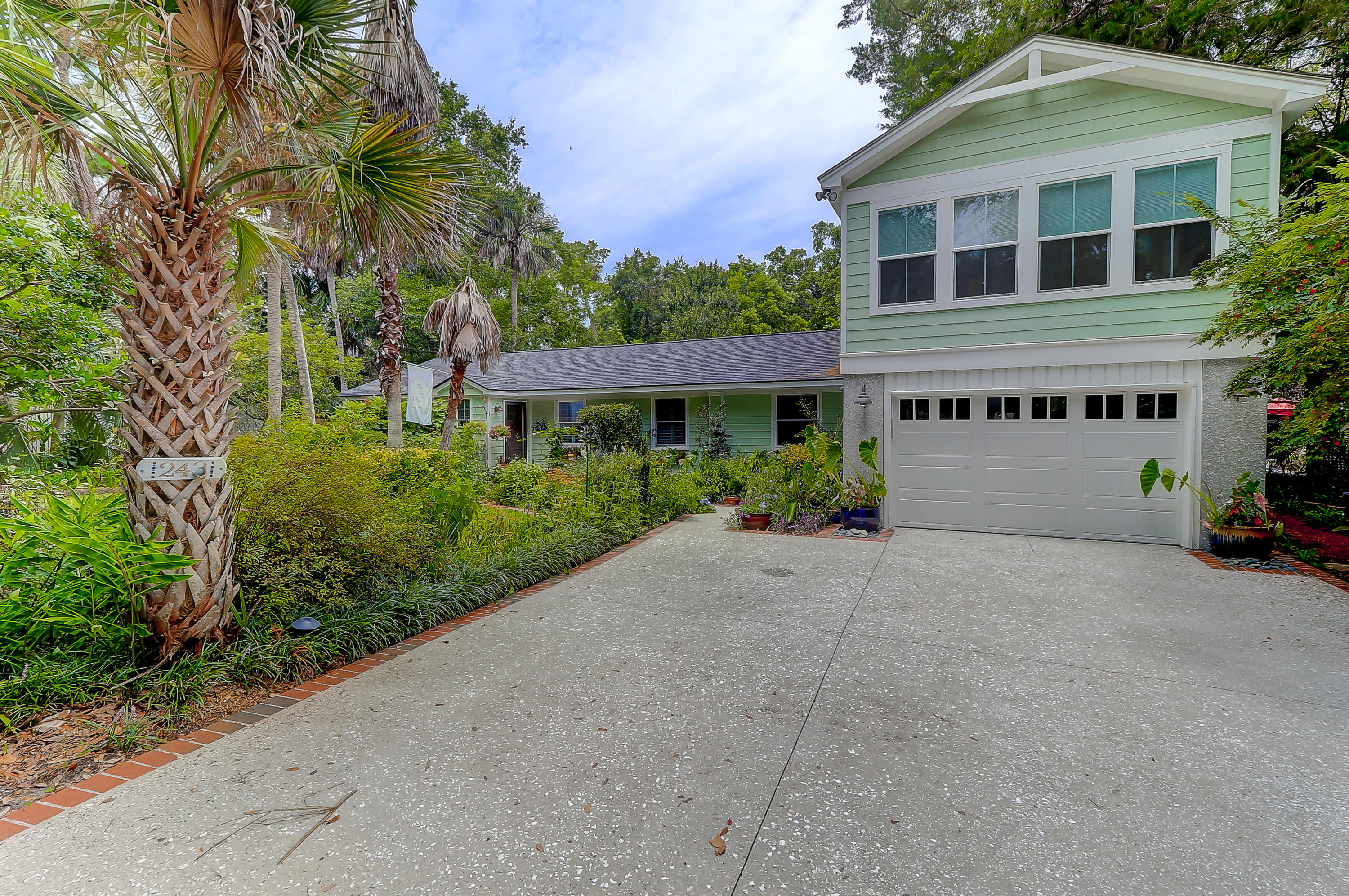 243 Forest Trail Isle Of Palms, Sc 29451