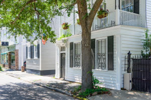 158 Wentworth Street, Charleston, SC 29401