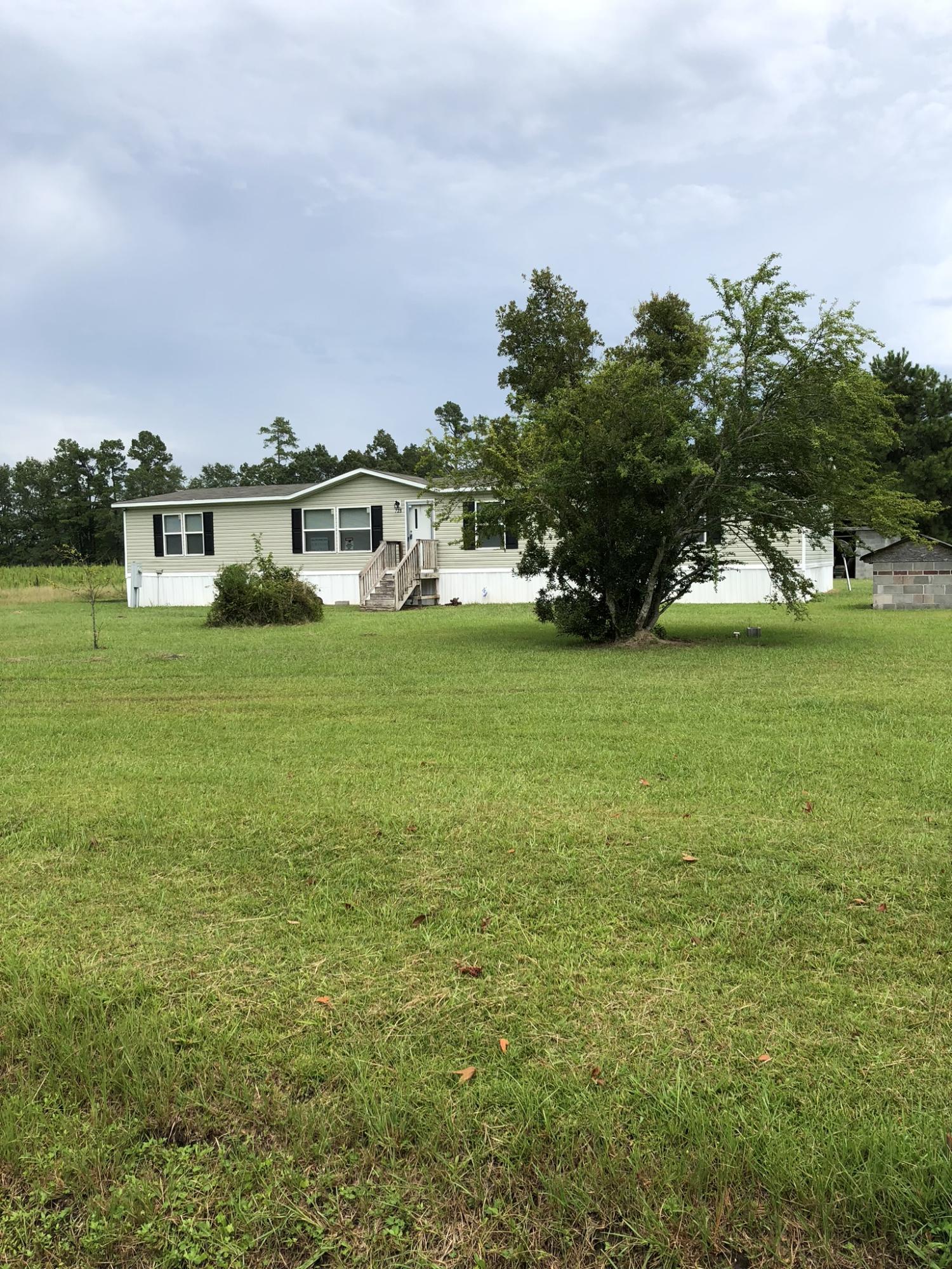 739 Wesgar Avenue Eutawville, SC 29048