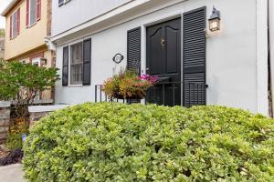 170 Queen Street, Charleston, SC 29401