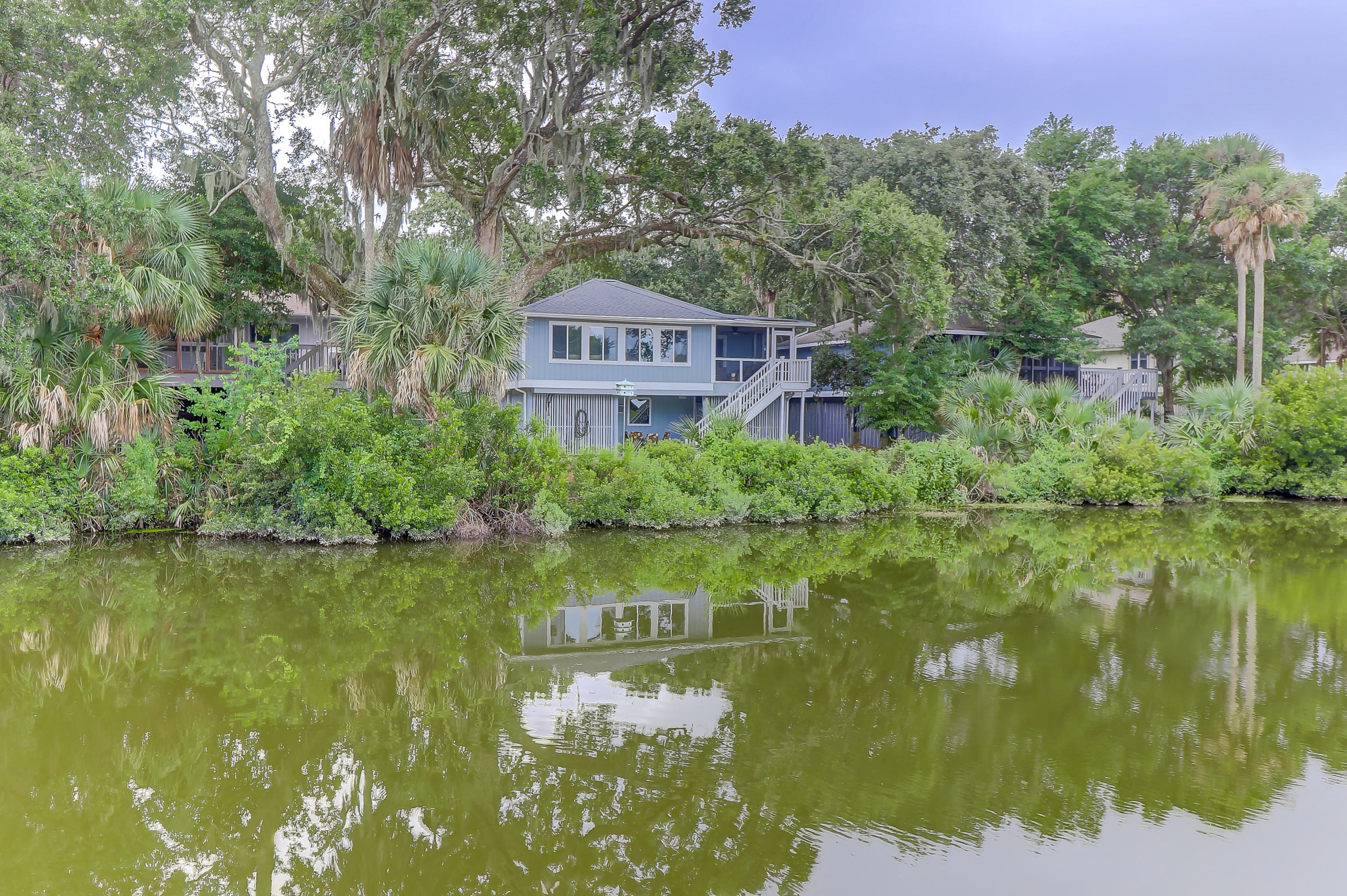 17 Twin Oaks Lane Isle Of Palms, SC 29451