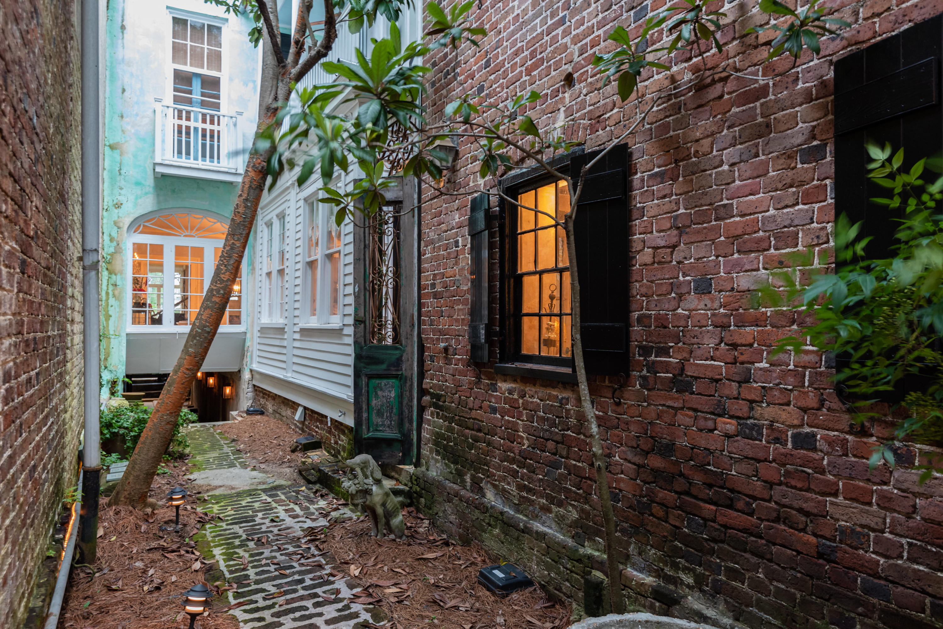 22 Church Street Charleston, SC 29401