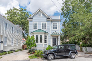 Lovely newer construction home in the heart of downtown.