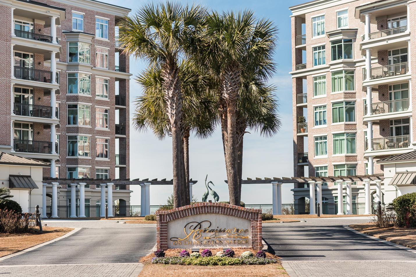 182 N Ph 2 Plaza Court Mount Pleasant, Sc 29464