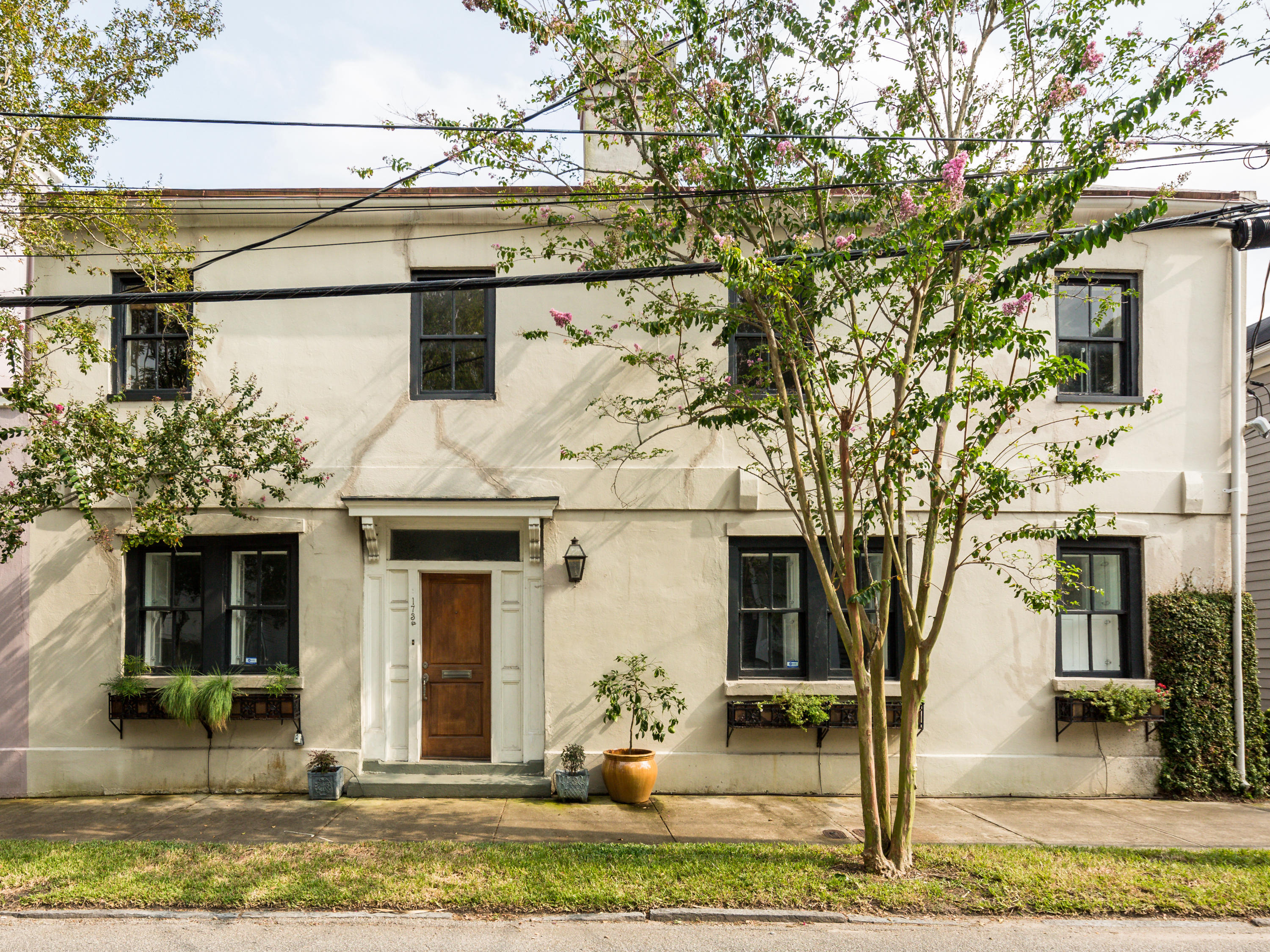 173 1/2 Wentworth Street Charleston, SC 29401