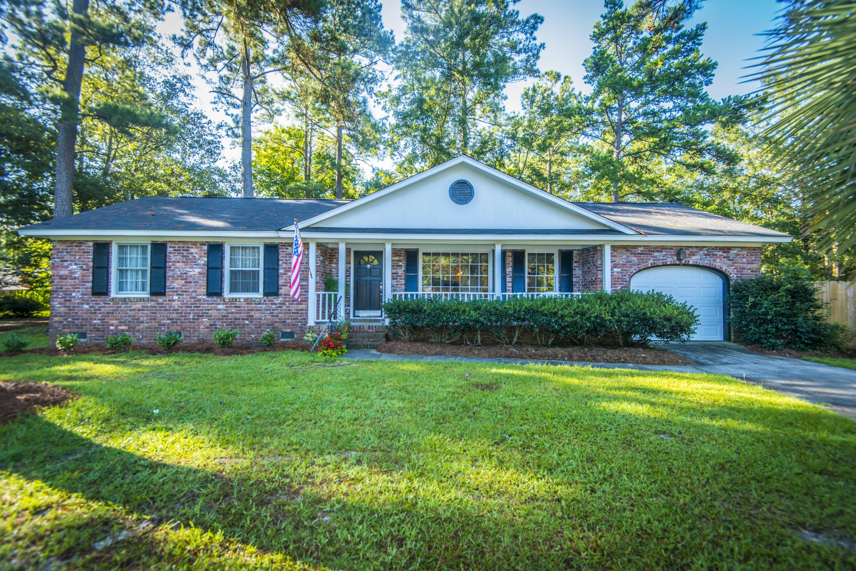 102 Marmet Court Summerville, SC 29485