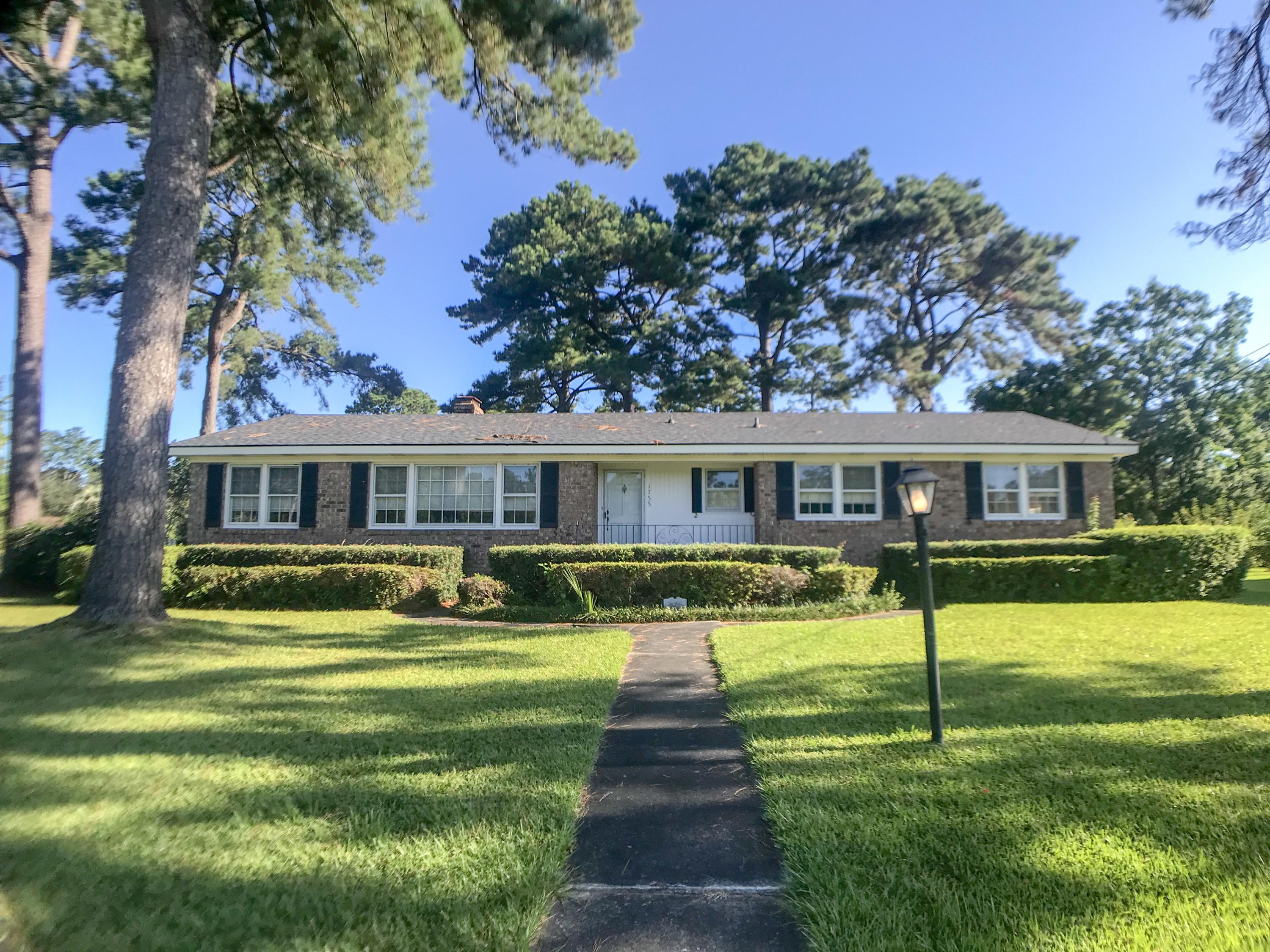 1755 Chelwood Circle Charleston, SC 29407