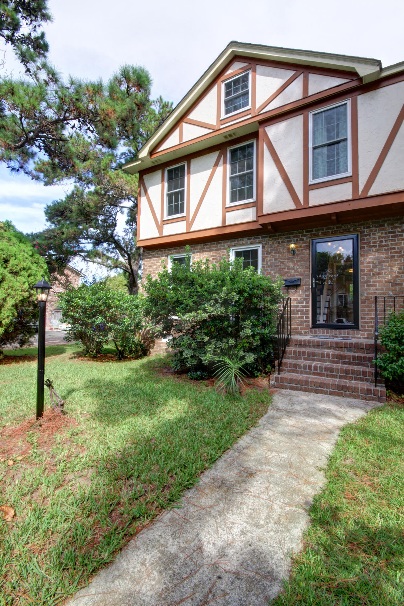 617 Williamson Drive Mount Pleasant, SC 29464