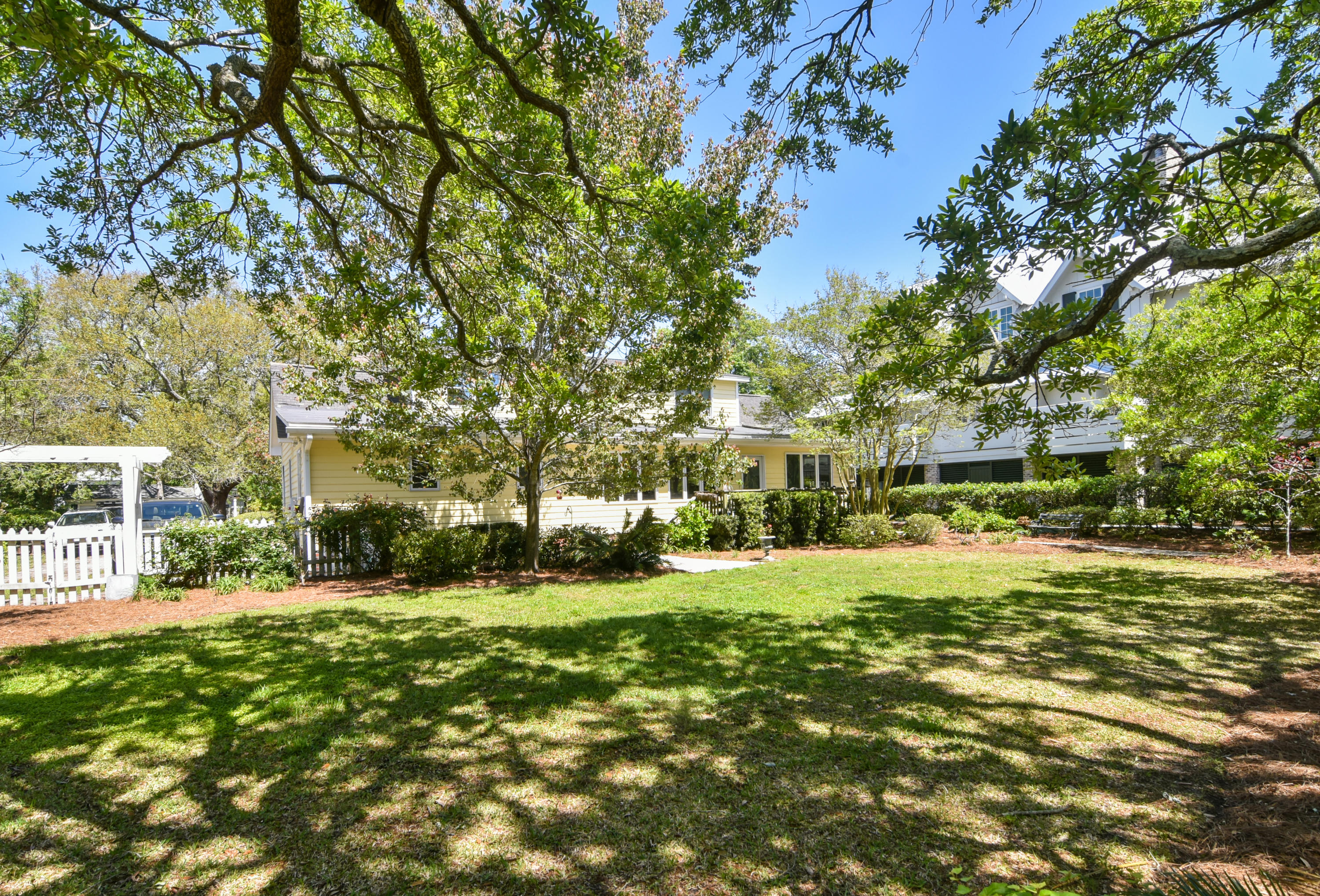 Old Village Homes For Sale - 957 Pitt, Mount Pleasant, SC - 11
