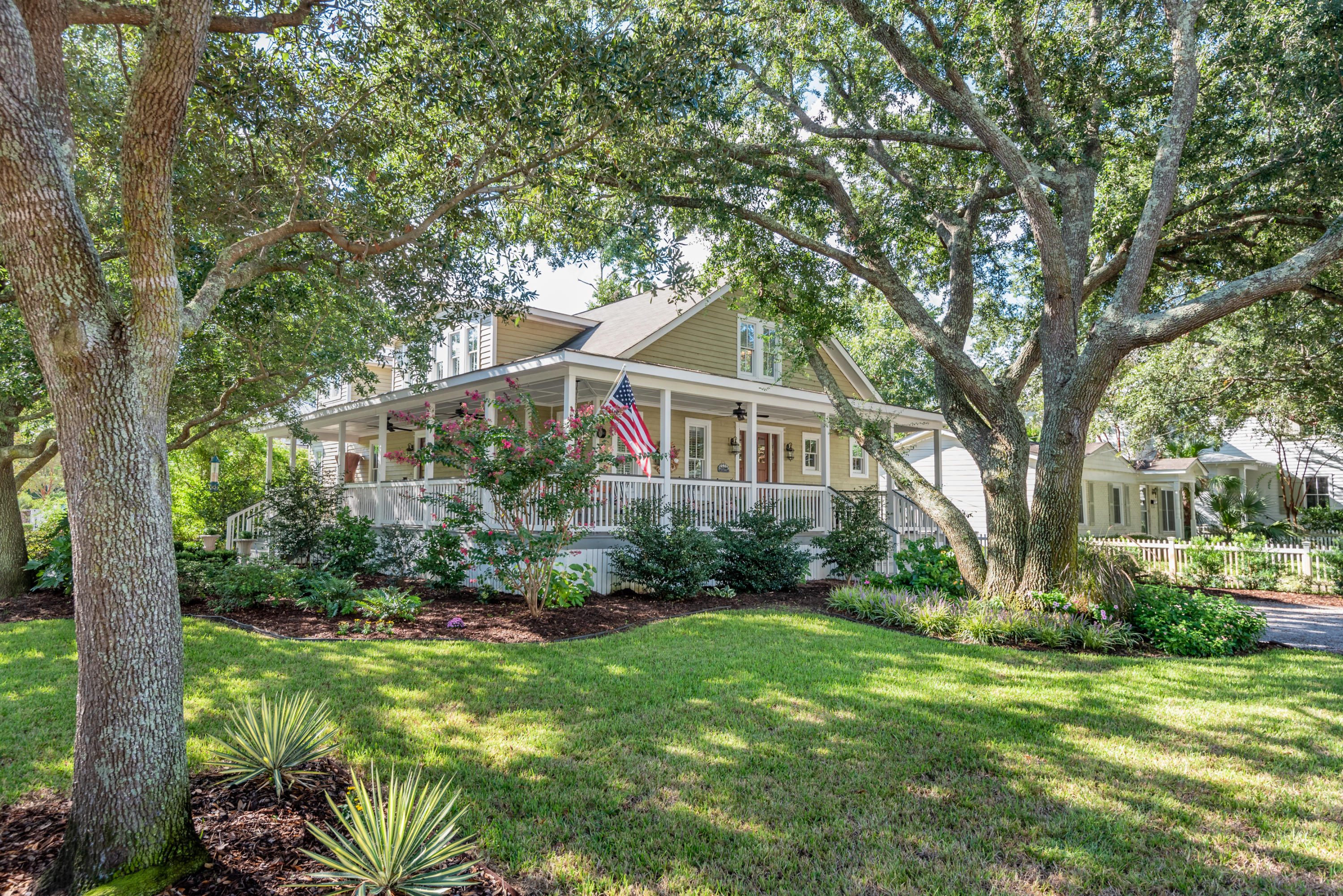 223 Center Street Mount Pleasant, SC 29464