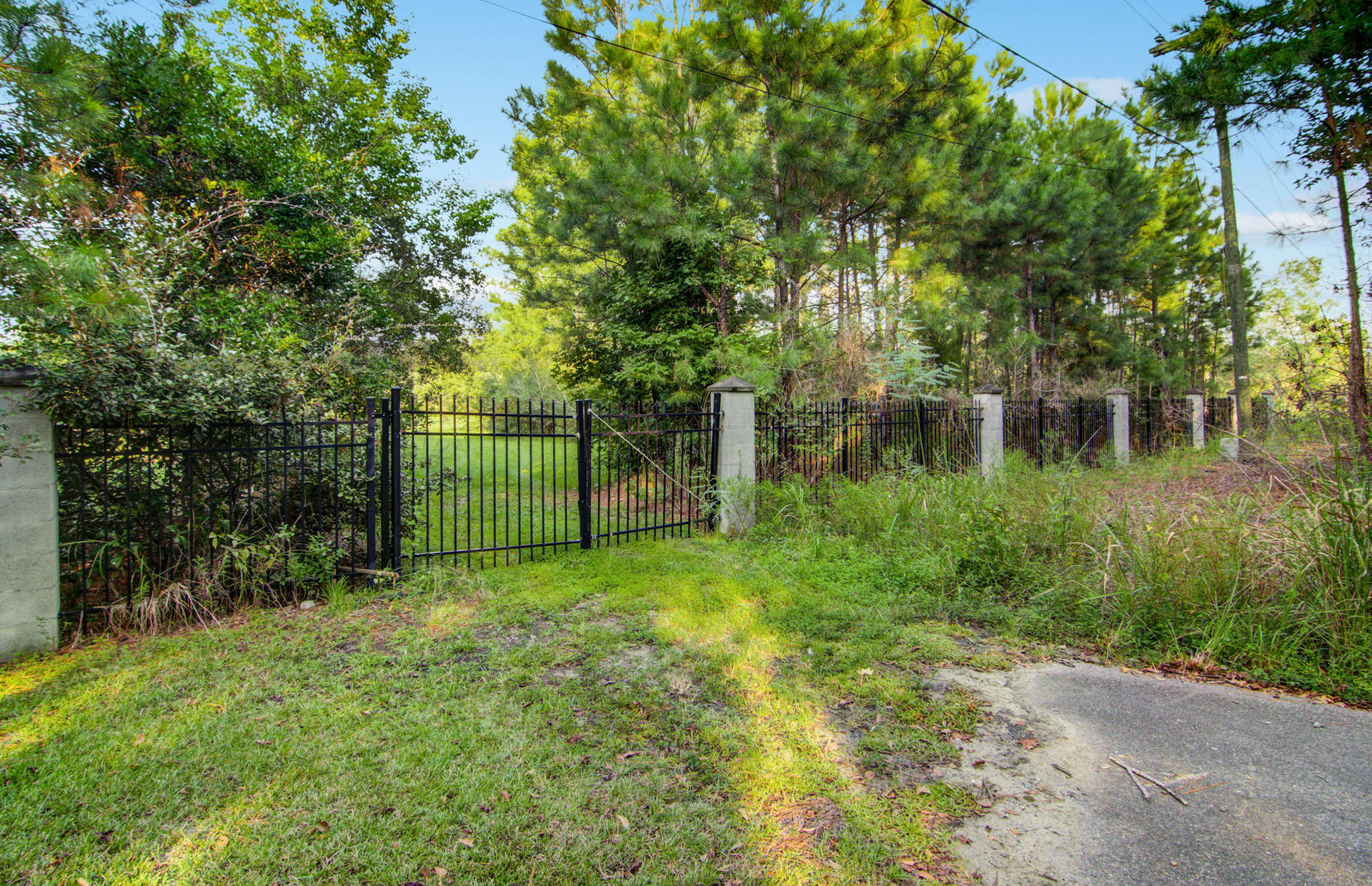 1325 River Road Johns Island, SC 29455