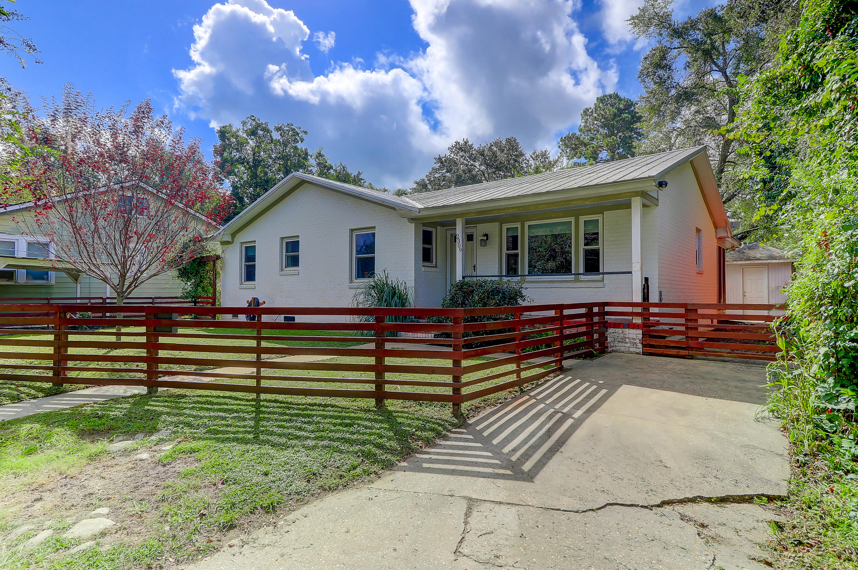 2309 Sunnyside Avenue Charleston, SC 29403