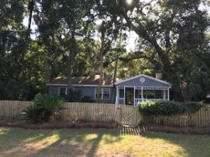 Beautiful Oaks and Large Front Porch. Across From the Recreation and Short Walk to Beach!!!