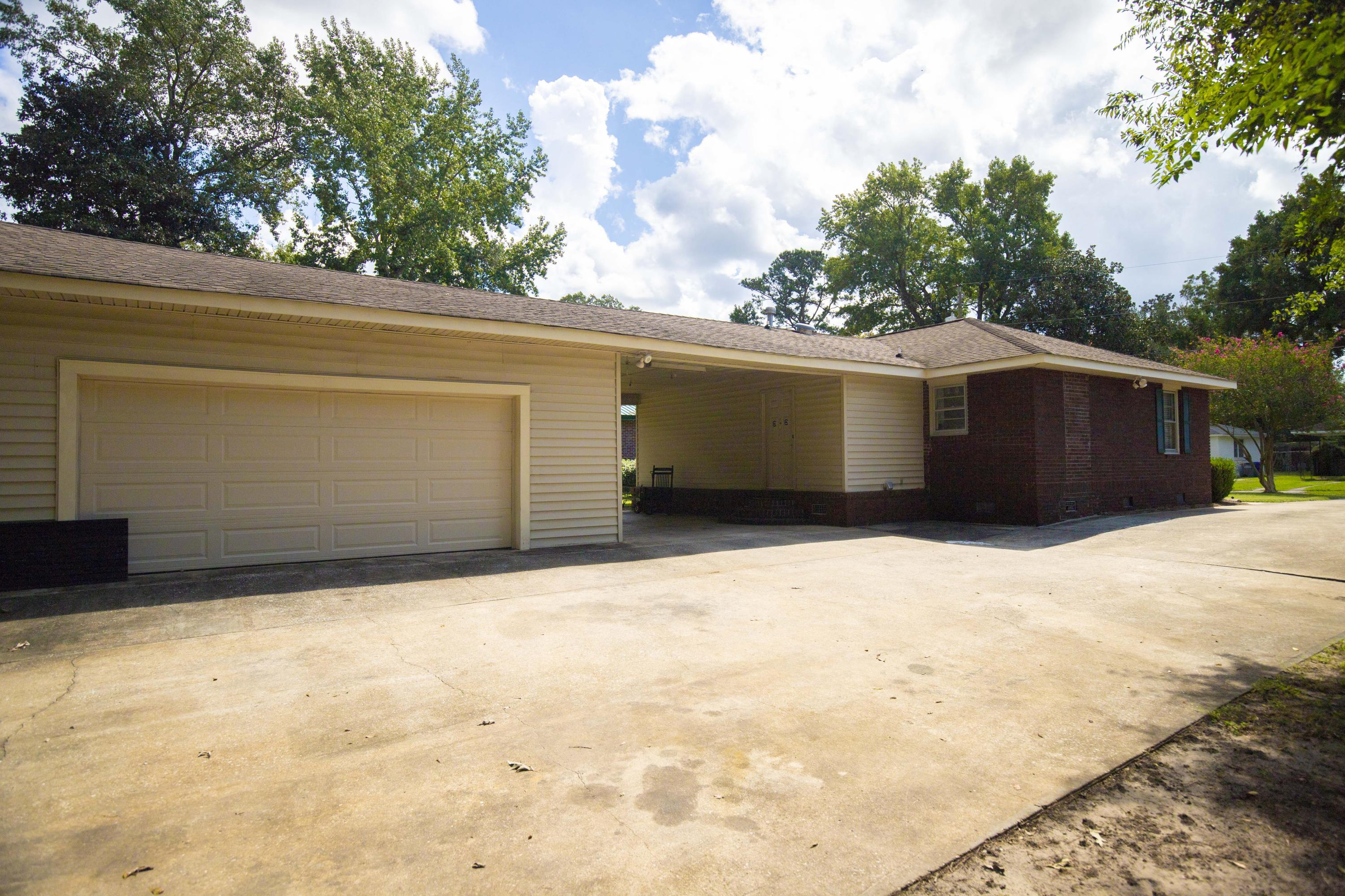 5324 Hartford Circle North Charleston, SC 29405