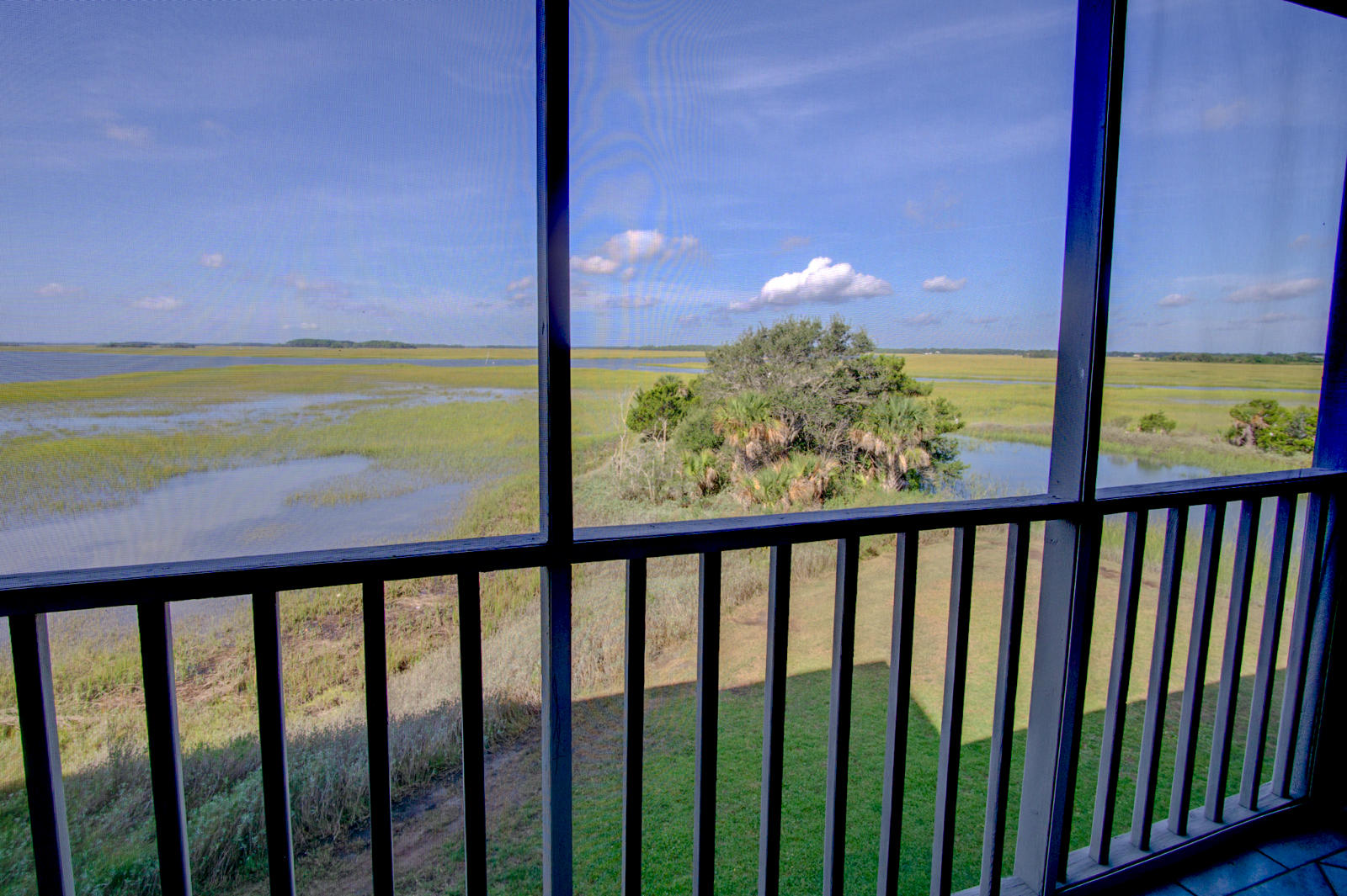 Mariners Cay Homes For Sale - 105 Mariners Cay, Folly Beach, SC - 26