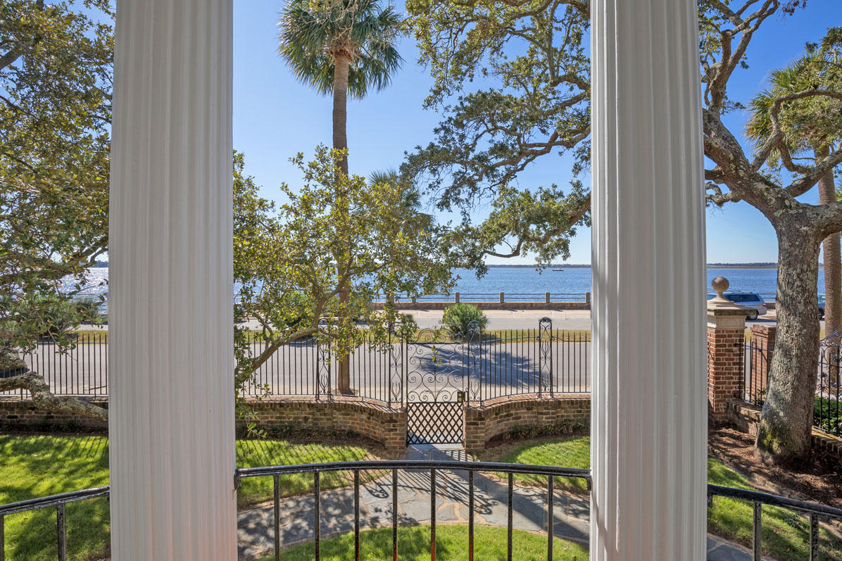 46 Murray Boulevard Charleston, SC 29401